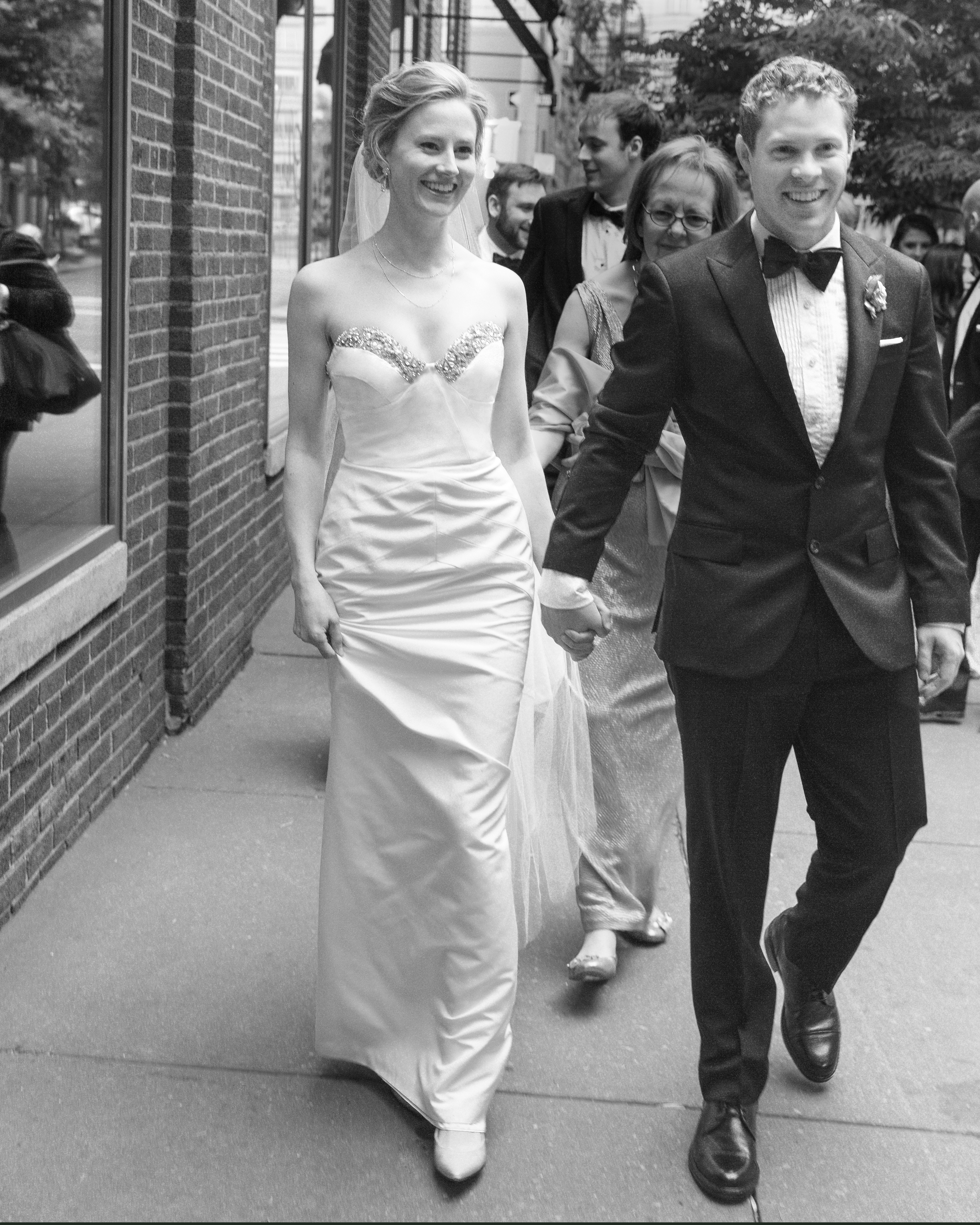 bride-groom-street-blake-chris-nyc-pi-5128-2-mwd110141.jpg