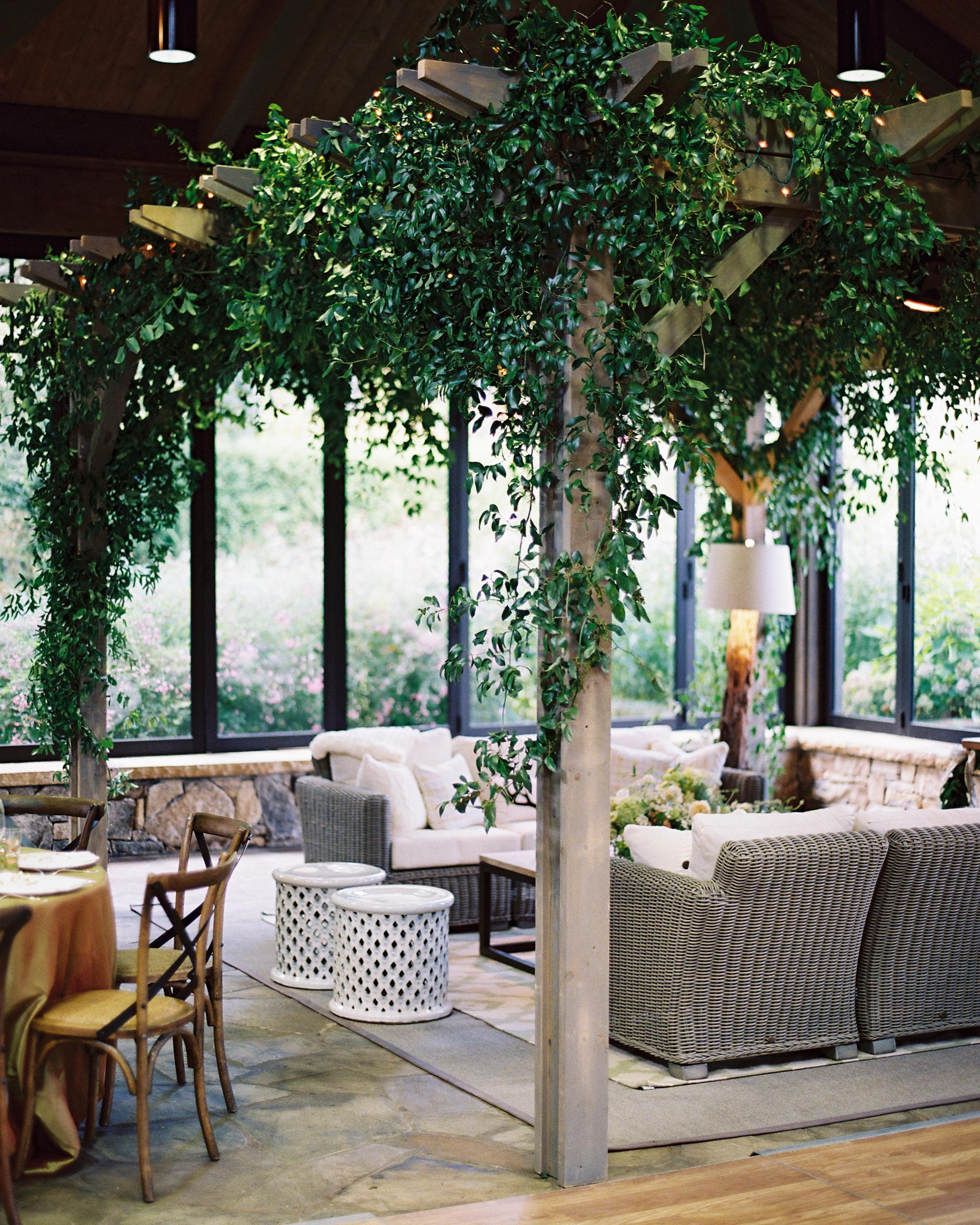 sarah-david-wedding-lounge-0414.jpg