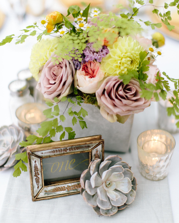 sandy-dwight-wedding-centerpiece-0514.jpg