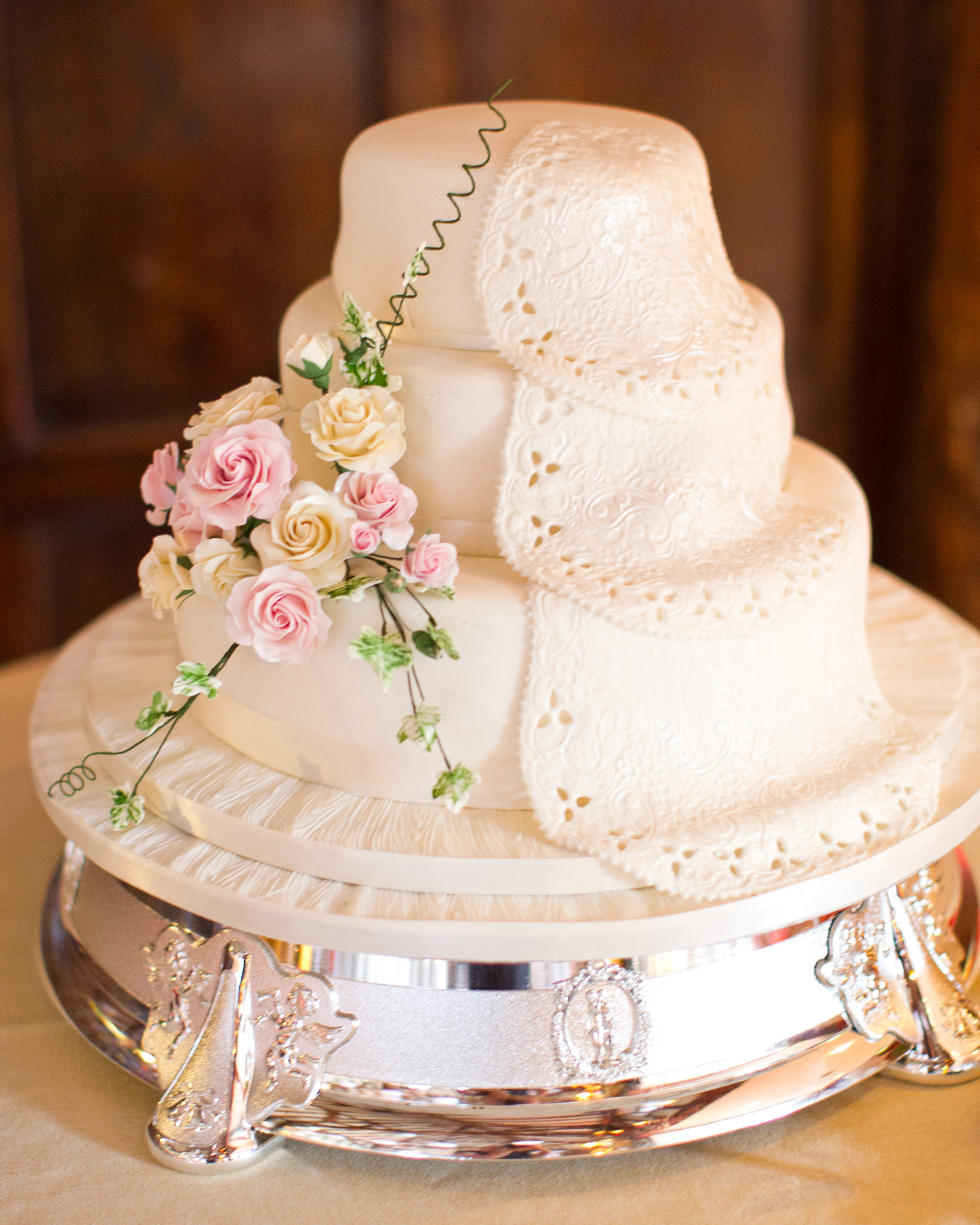 hayley-andrew-wedding-cake-0714.jpg