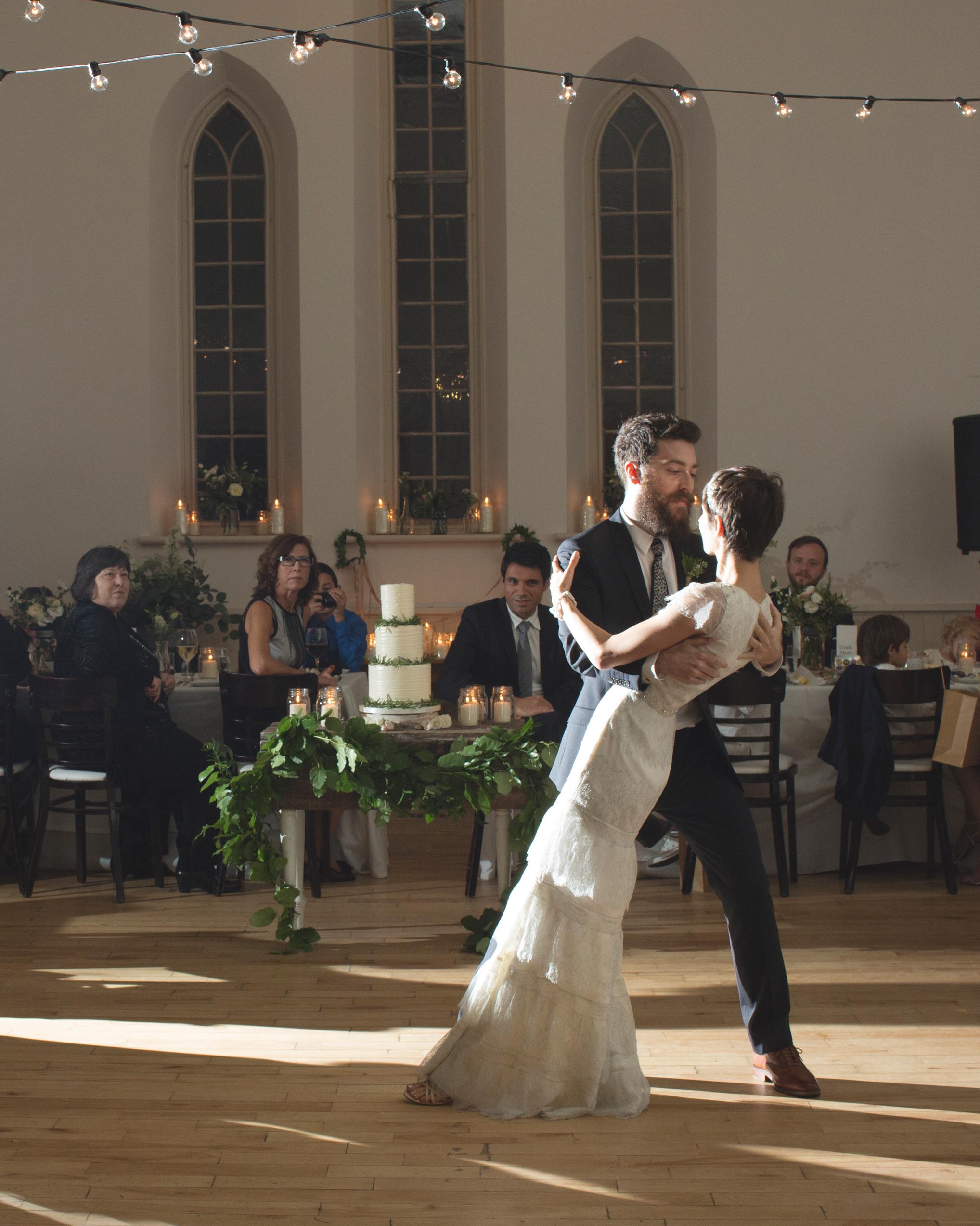 trish-alan-wedding-firstdance-098-s111348-0714.jpg