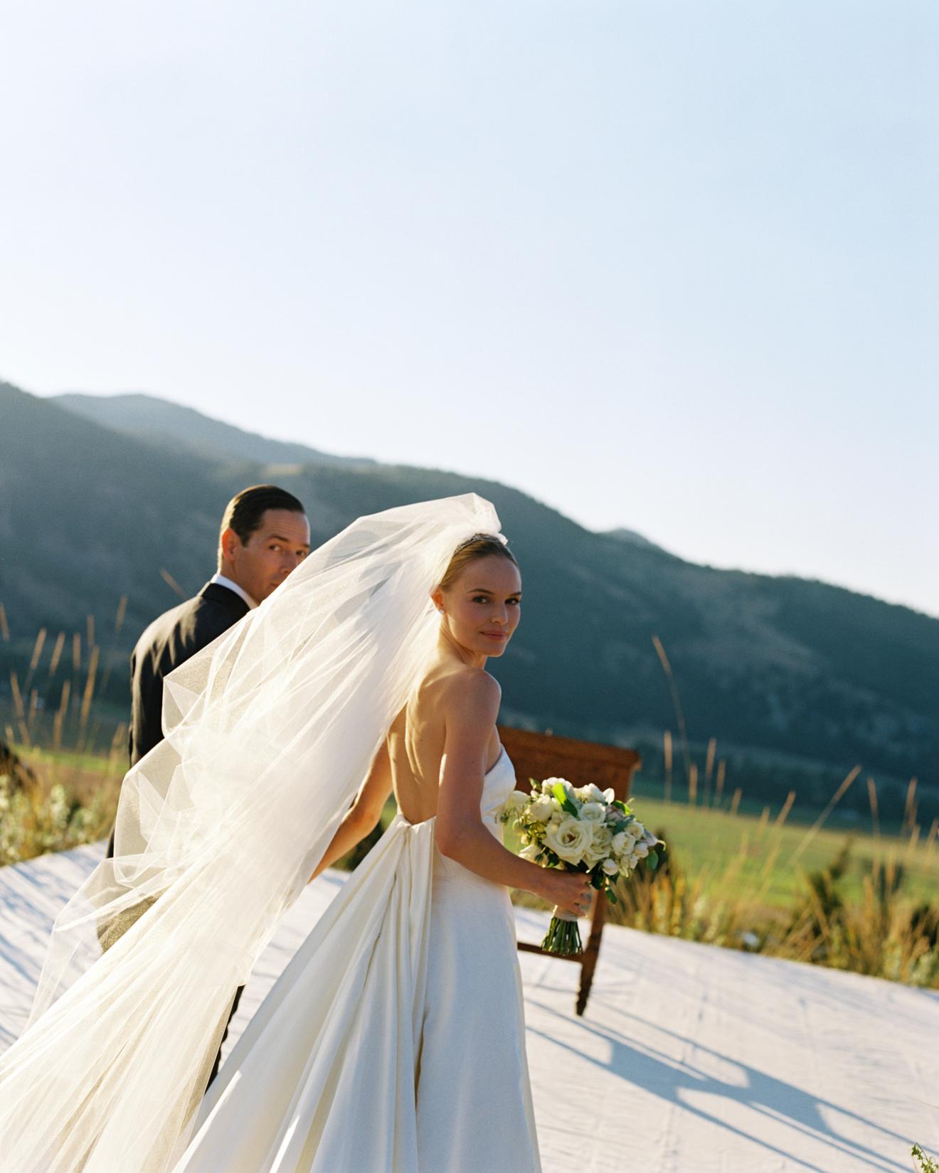kate-bosworth-wedding-gown-0214.jpg