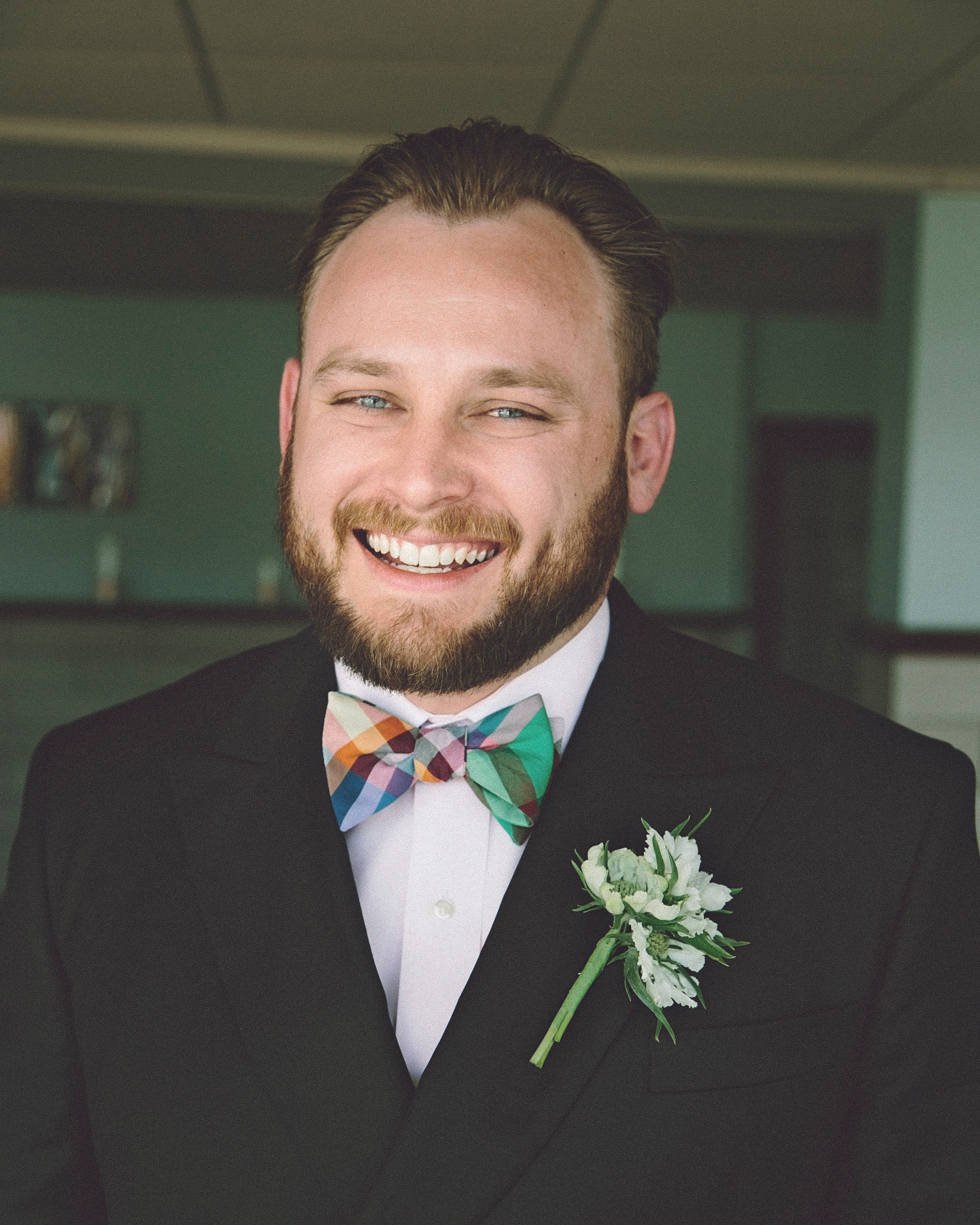 molly-greg-wedding-grooms-00042-s111481-0814.jpg