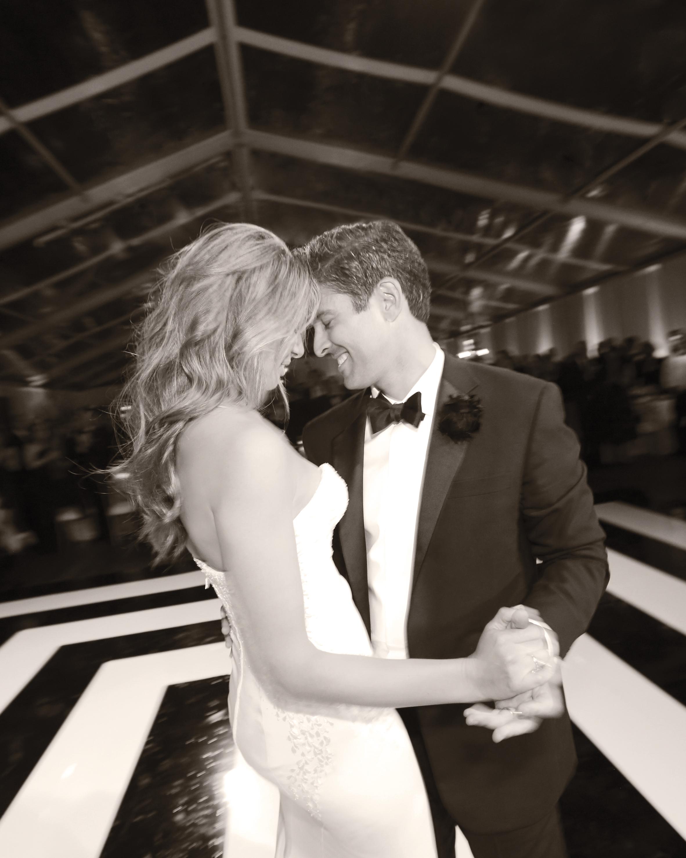 rw-jojo-eric-bride-groom-dance-bw-456-elizabeth-messina-ds111226.jpg
