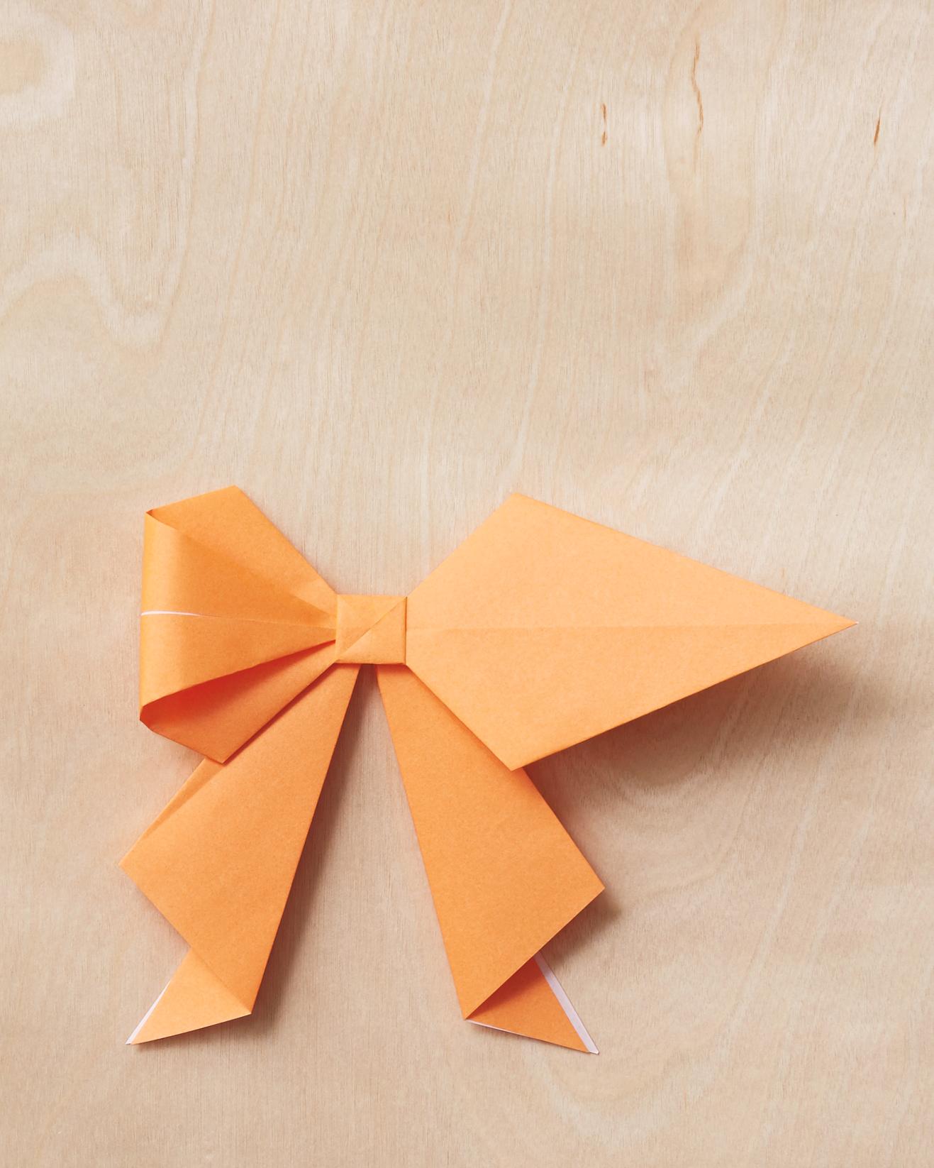 origami-bow-15-220-mwd110795.jpg