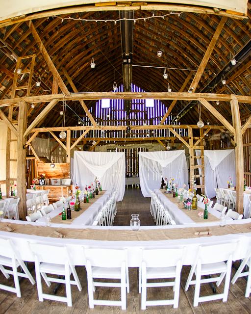 rustic-wedding-handbook-venues-enchanted-barn-0914.jpg