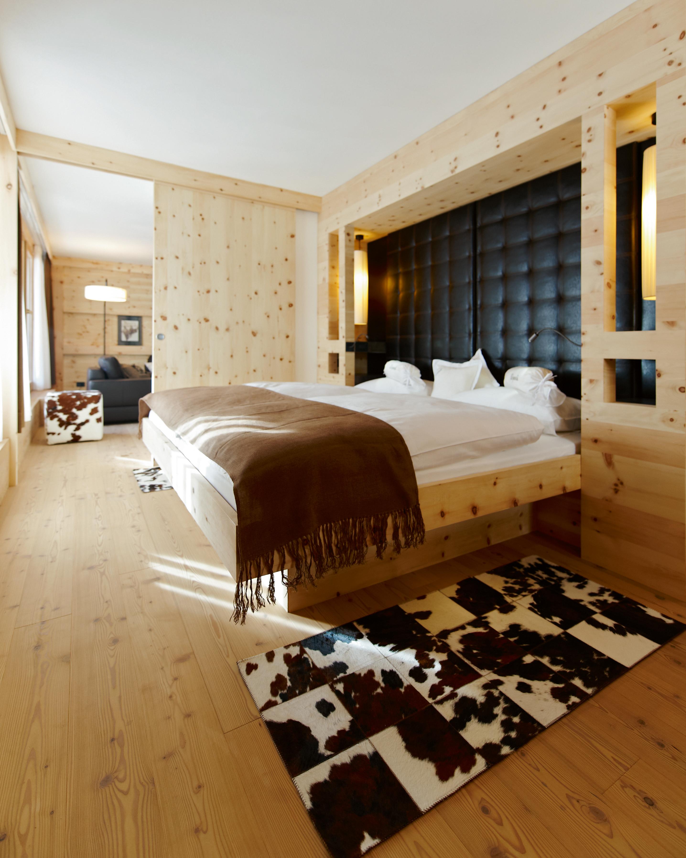 affordable-hotels-italy-10-lagacio--mountain-residence-0814.jpg
