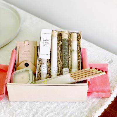 be my bridesmaid planning kit with pencils and candles