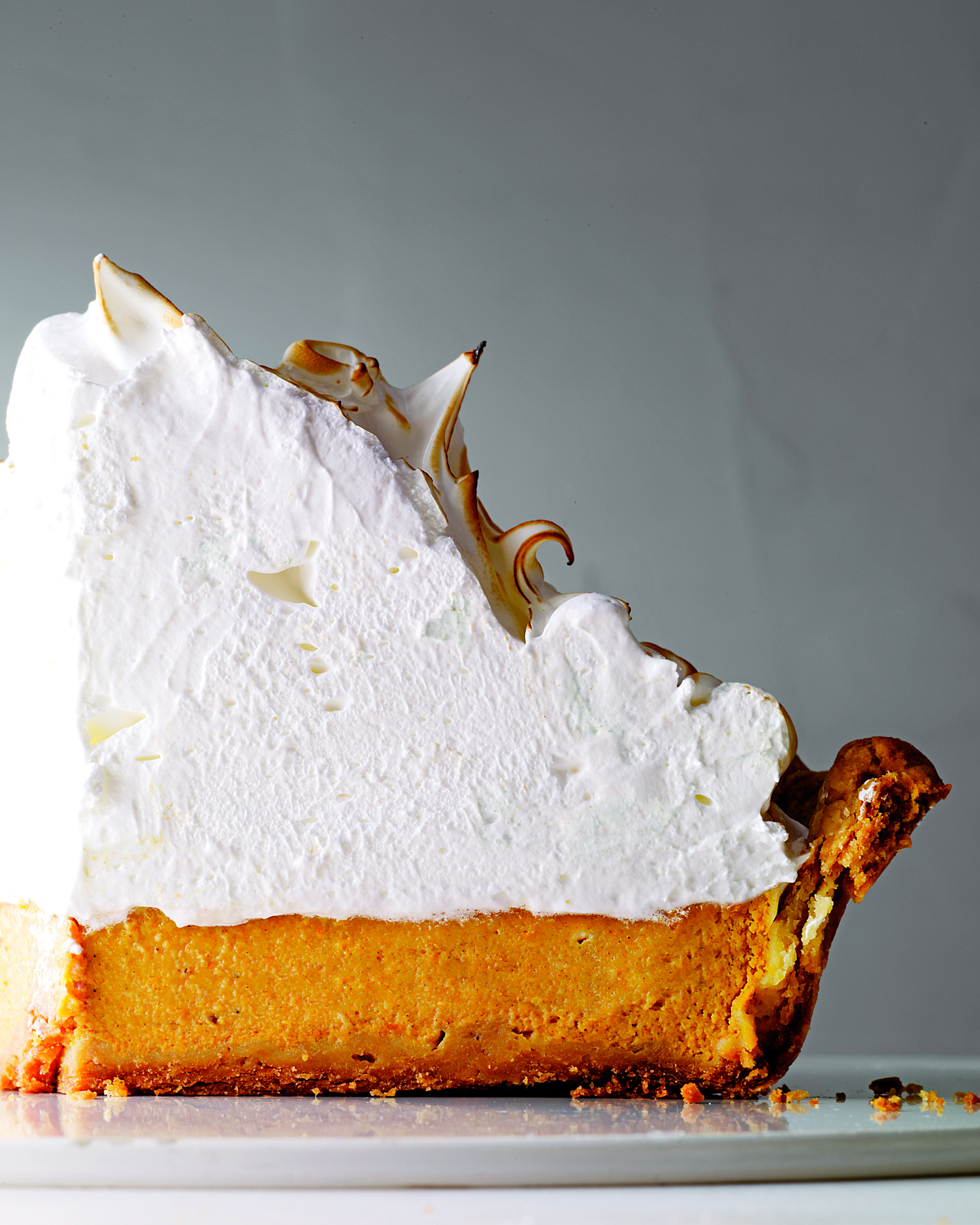 pumpkin-meringue-pie-mld107719.jpg