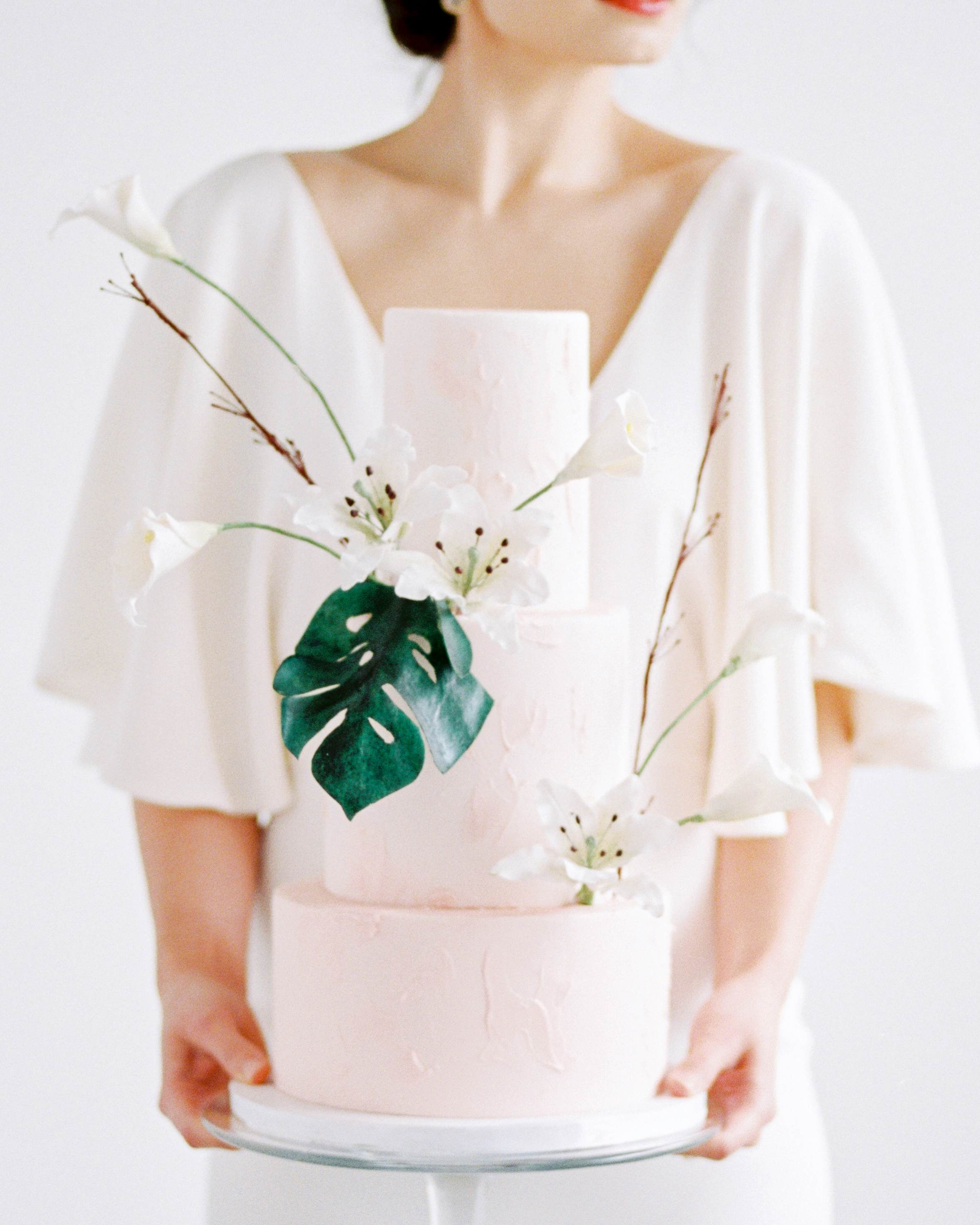 Ikebana-Inspired Wedding Flower Ideas Perfect for the Minimalist Couple