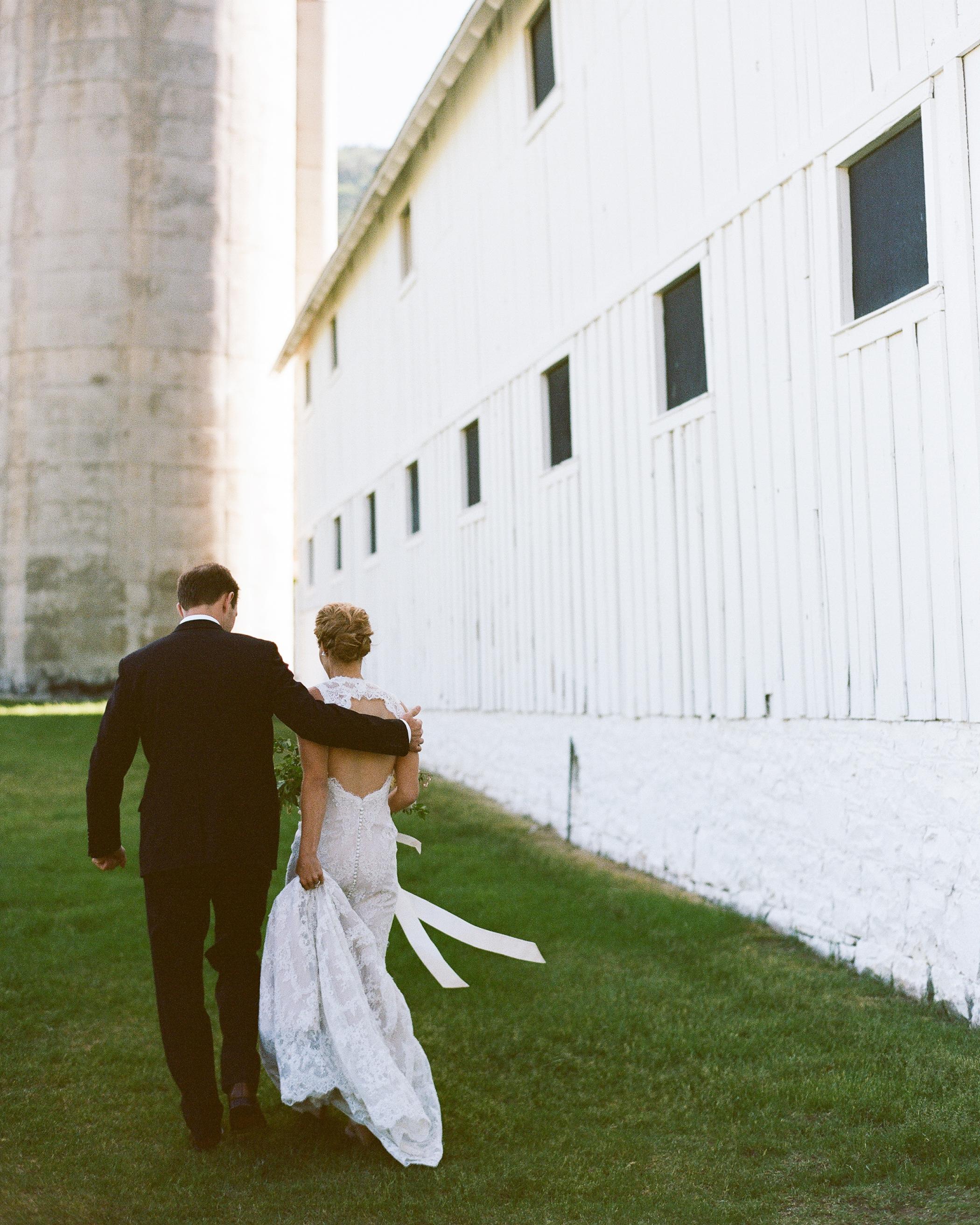 jamie-alex-wedding-walking-186-s111544-1014.jpg