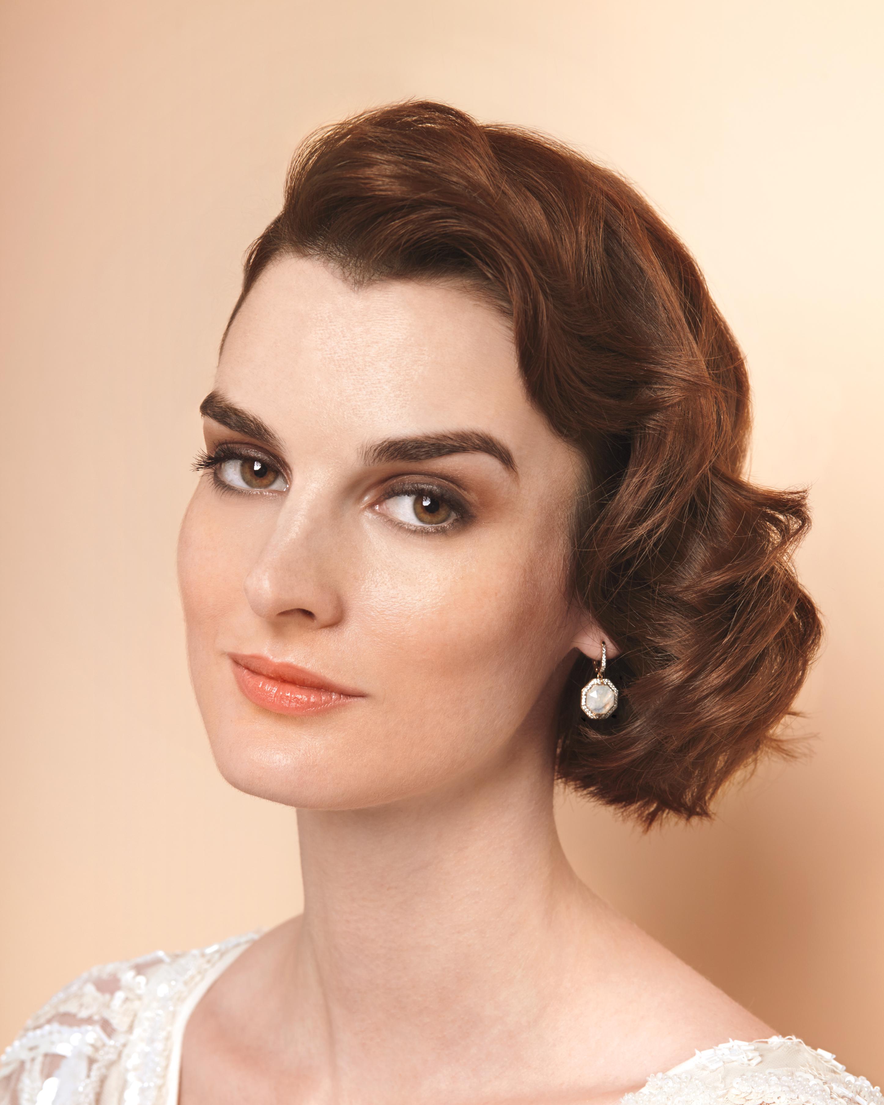 Old-Hollywood Waves Short Wedding Hairstyle | Martha ...