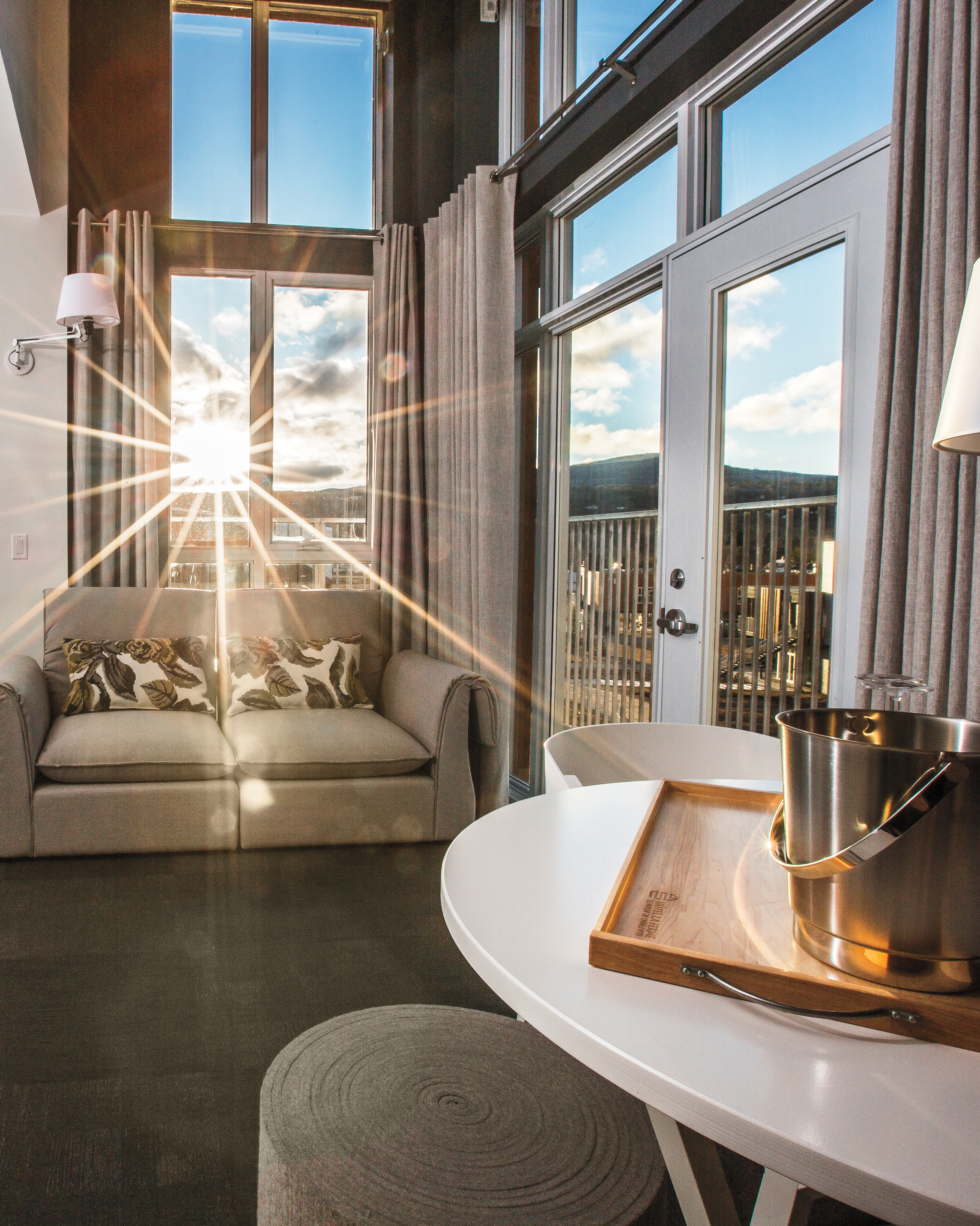 hotel-room-11-s111603.jpg