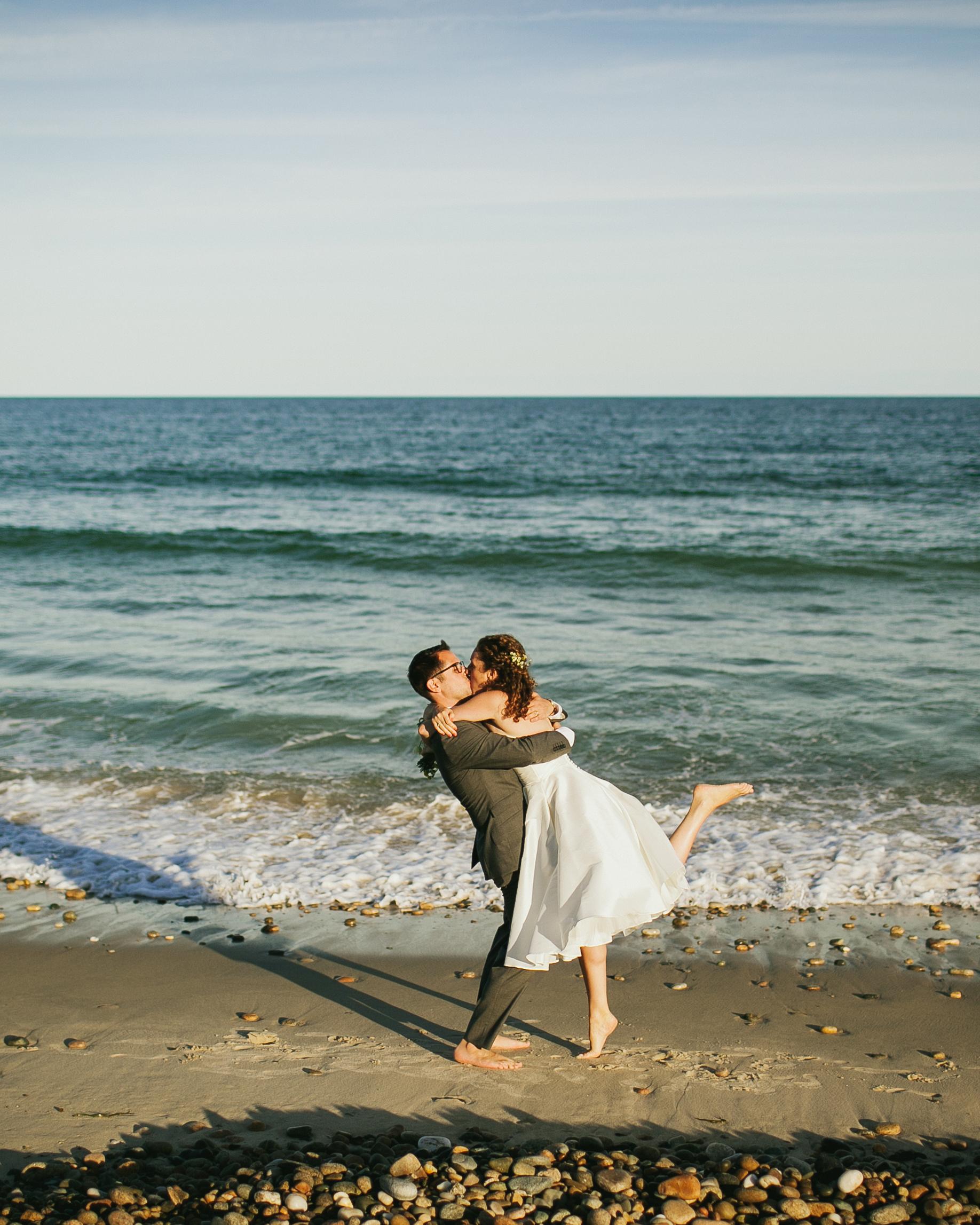 gabriela-tyson-wedding-beach-0725-s111708-1214.jpg