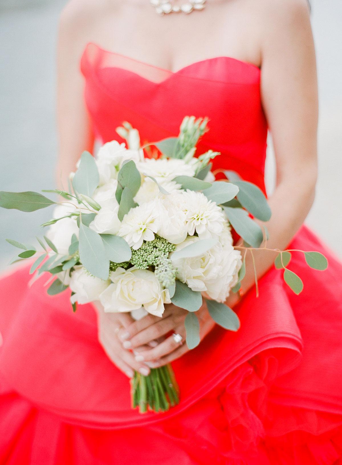 paris wedding white bouquet