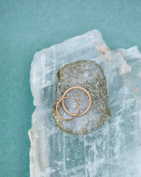 How to Buy a Wedding Band You'll Love