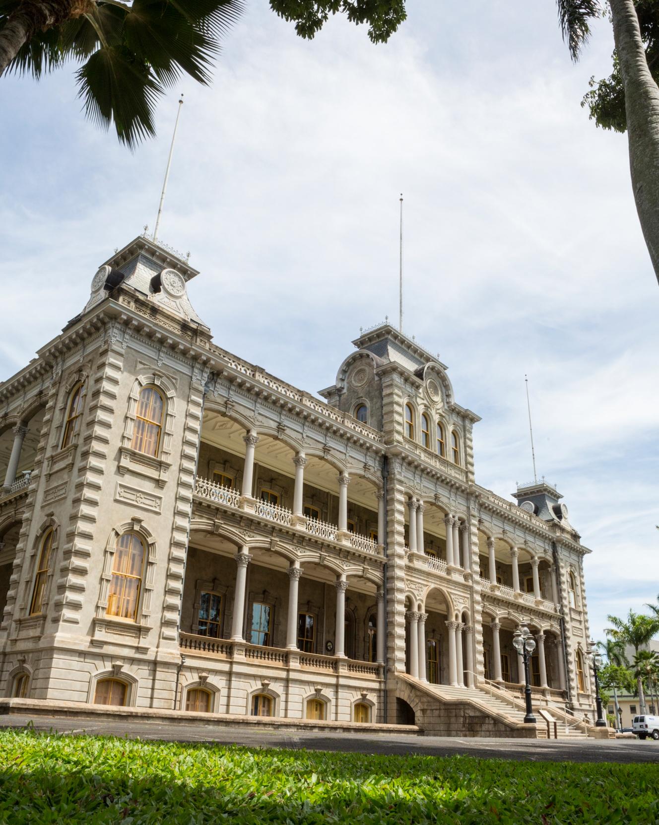 castle-wedding-venues-iolani-hawaii-0115.jpg