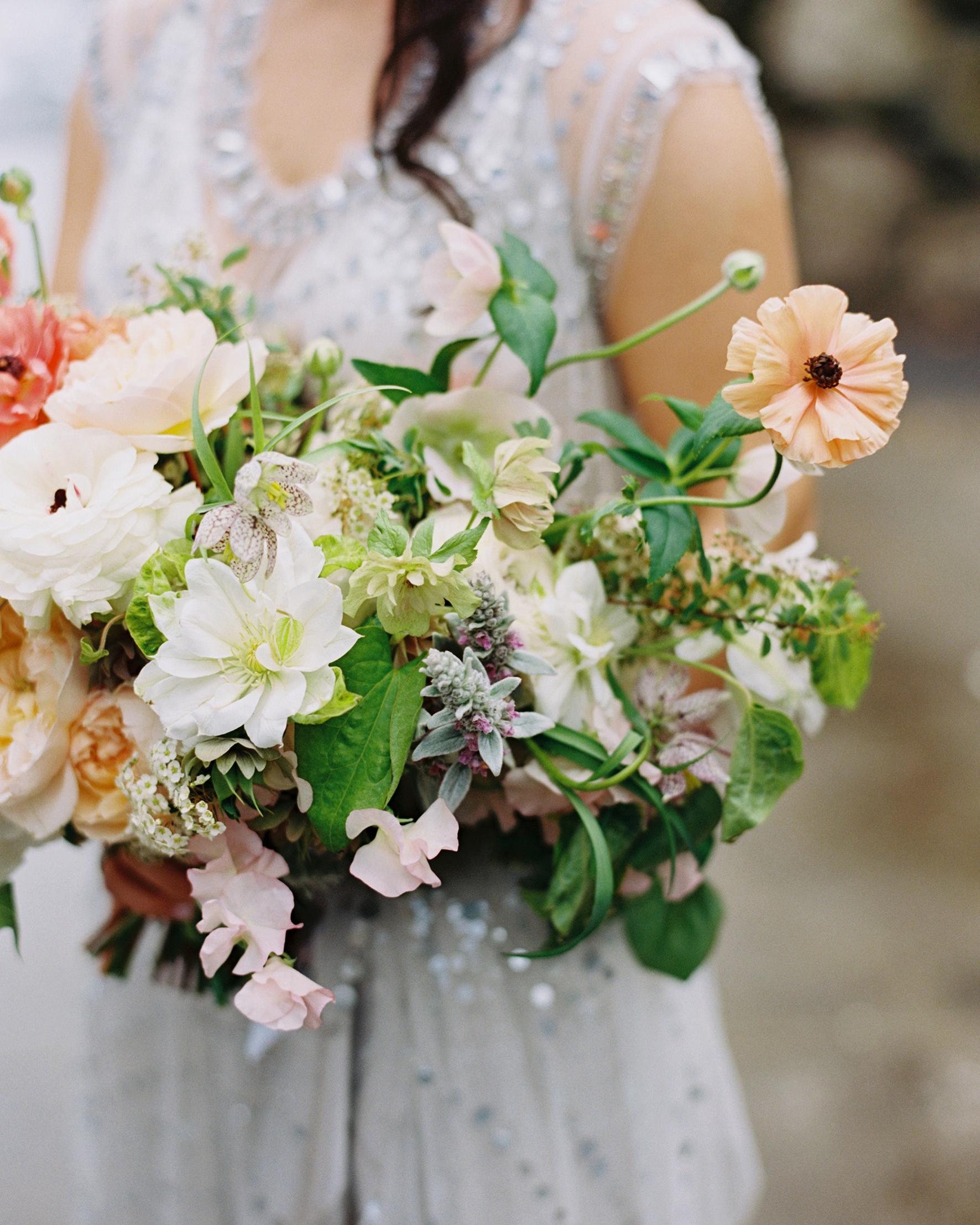 sydney-christina-wedding-bouquet-019-s111743-0115.jpg