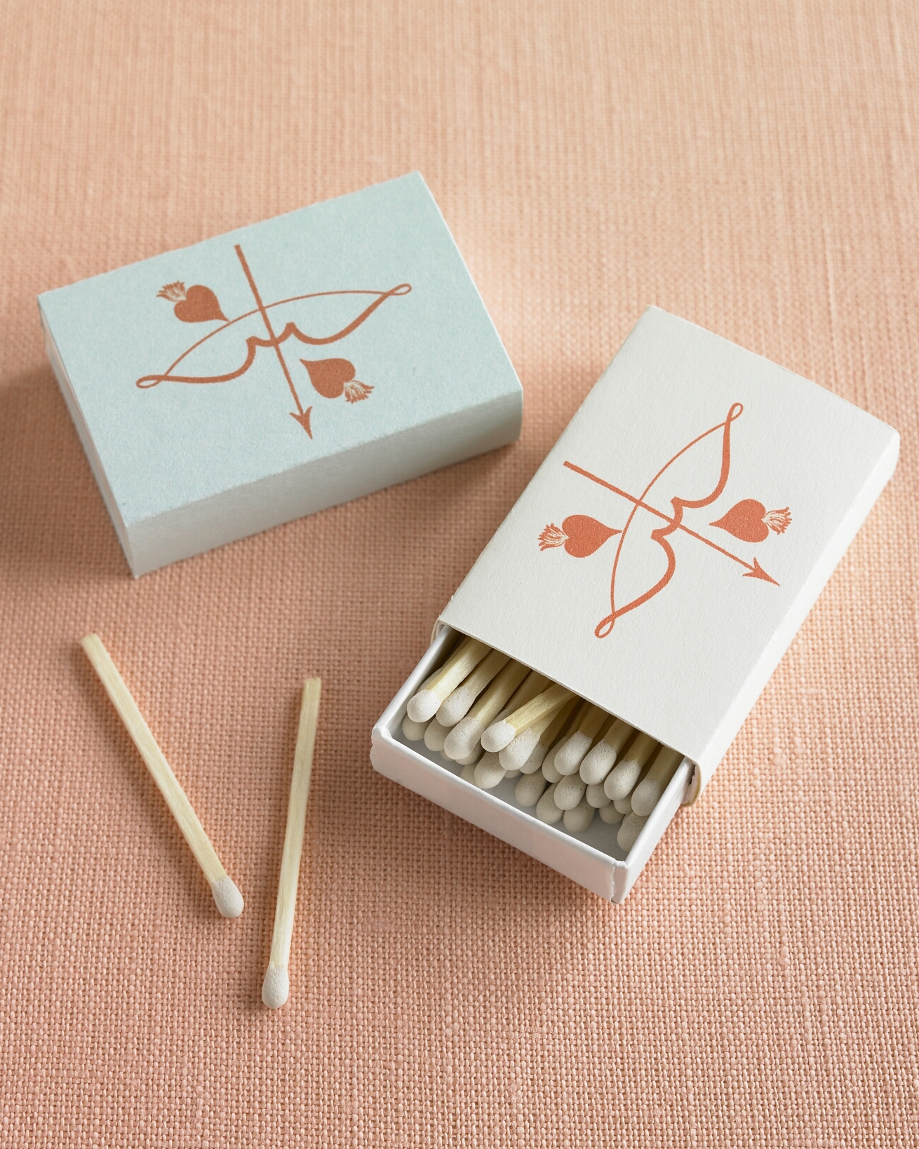 valentines-day-wedding-favor-cupid-matchbox-sum08-0115.jpg