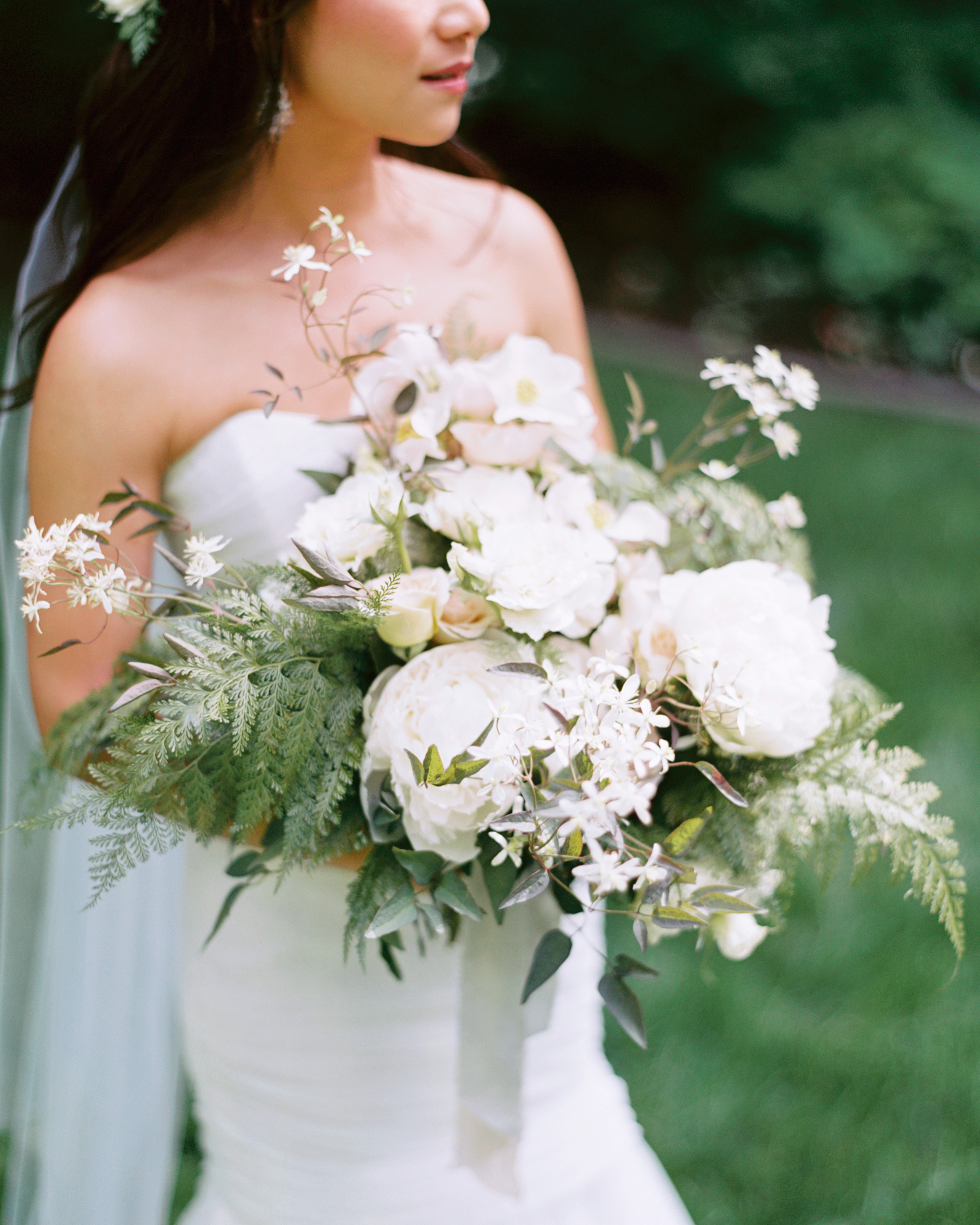 ally-adam-wedding-bouquet-008-s111818-0215.jpg