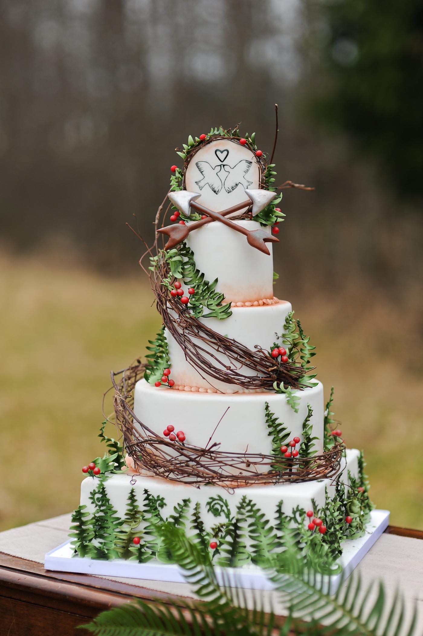 Hunger Games-themed wedding cake