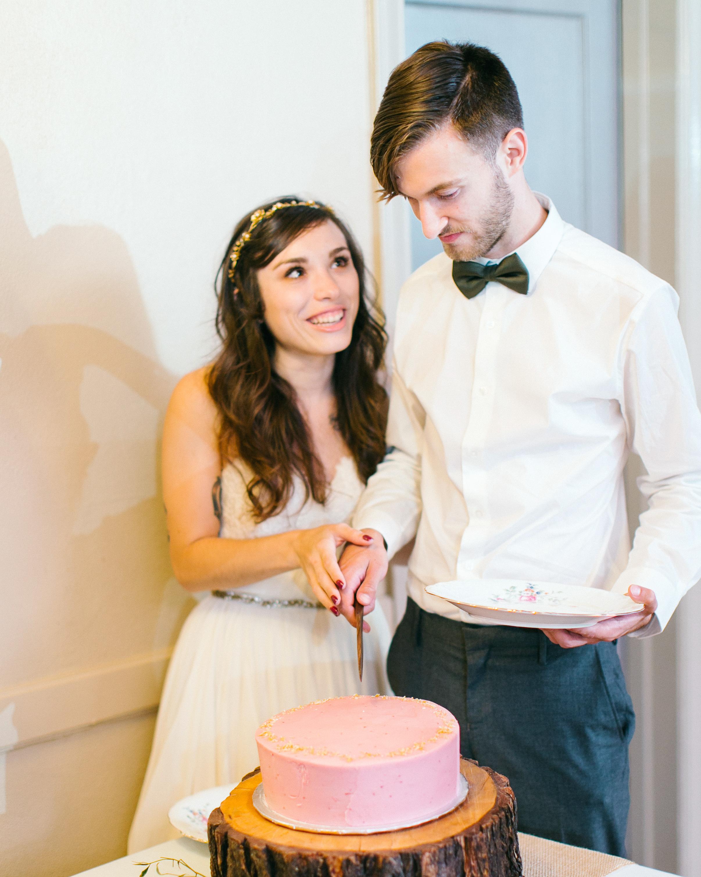 marguerita-aaron-wedding-cakecutting-434-s111848-0214.jpg
