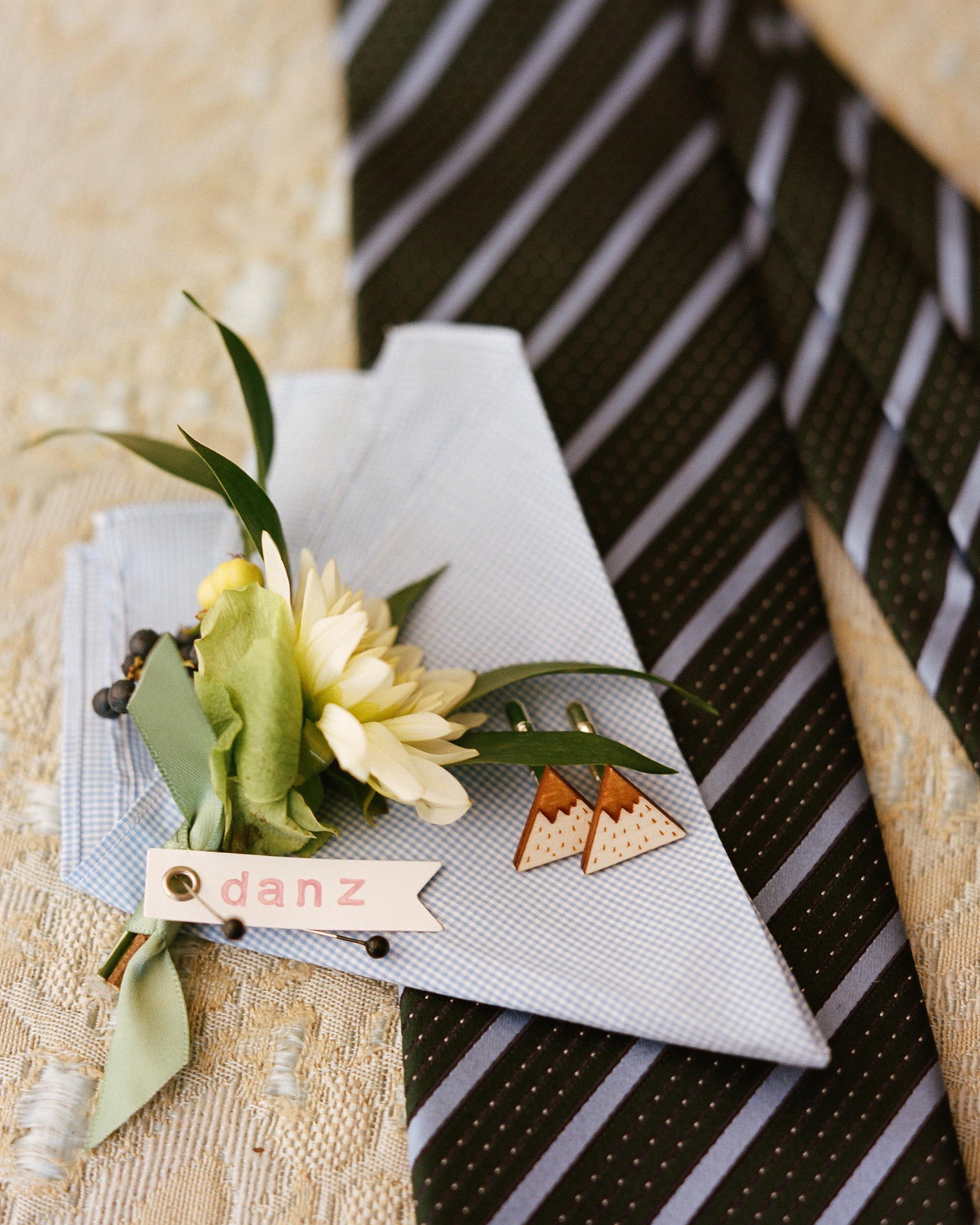 lana-danny-wedding-accessories-084-s111831-0315.jpg