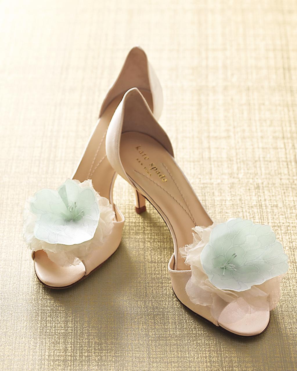 shoe-clip-lace-floral-sp-09-0315.jpg