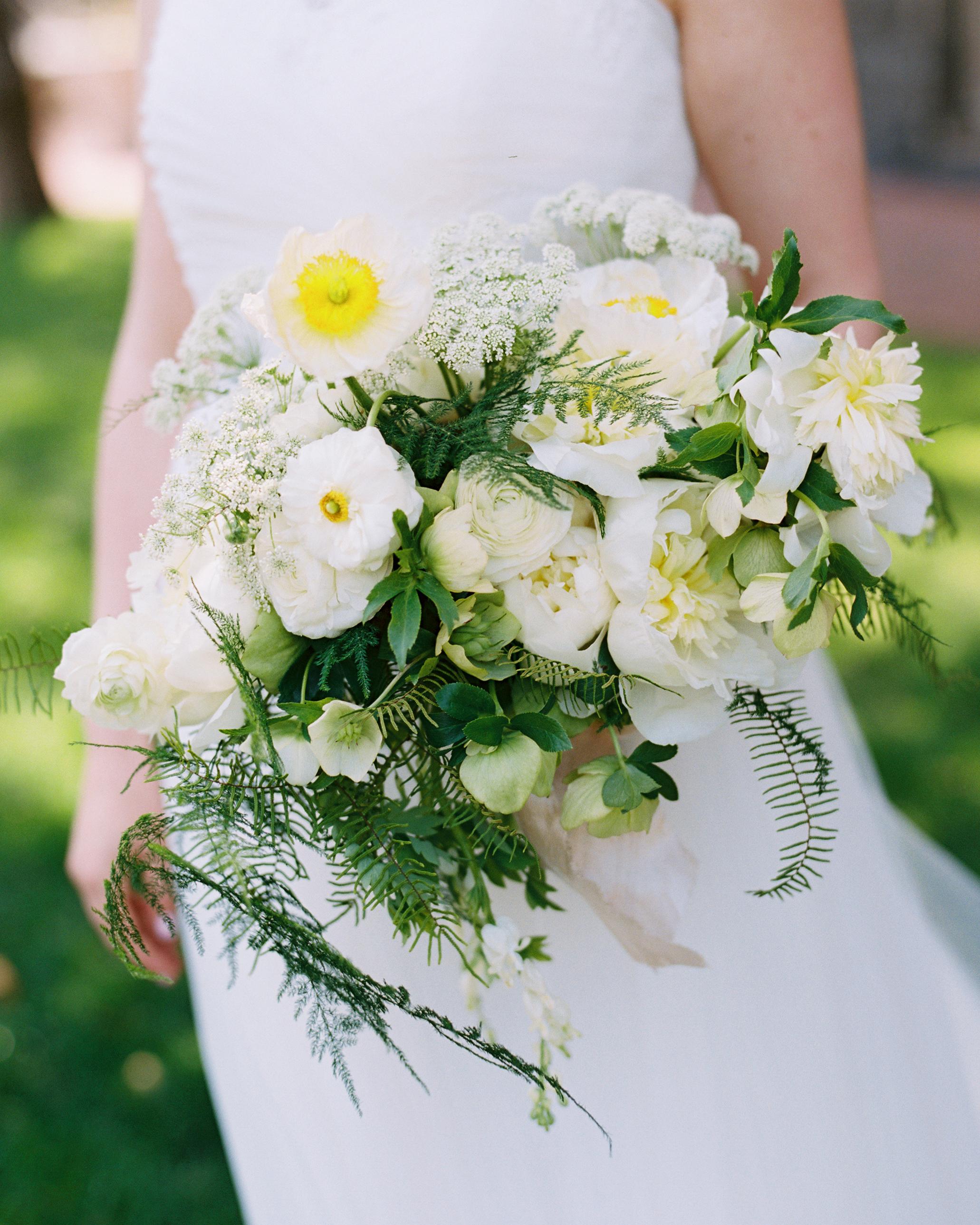 shannon-ryan-wedding-bouquet-179-s111853-0415.jpg