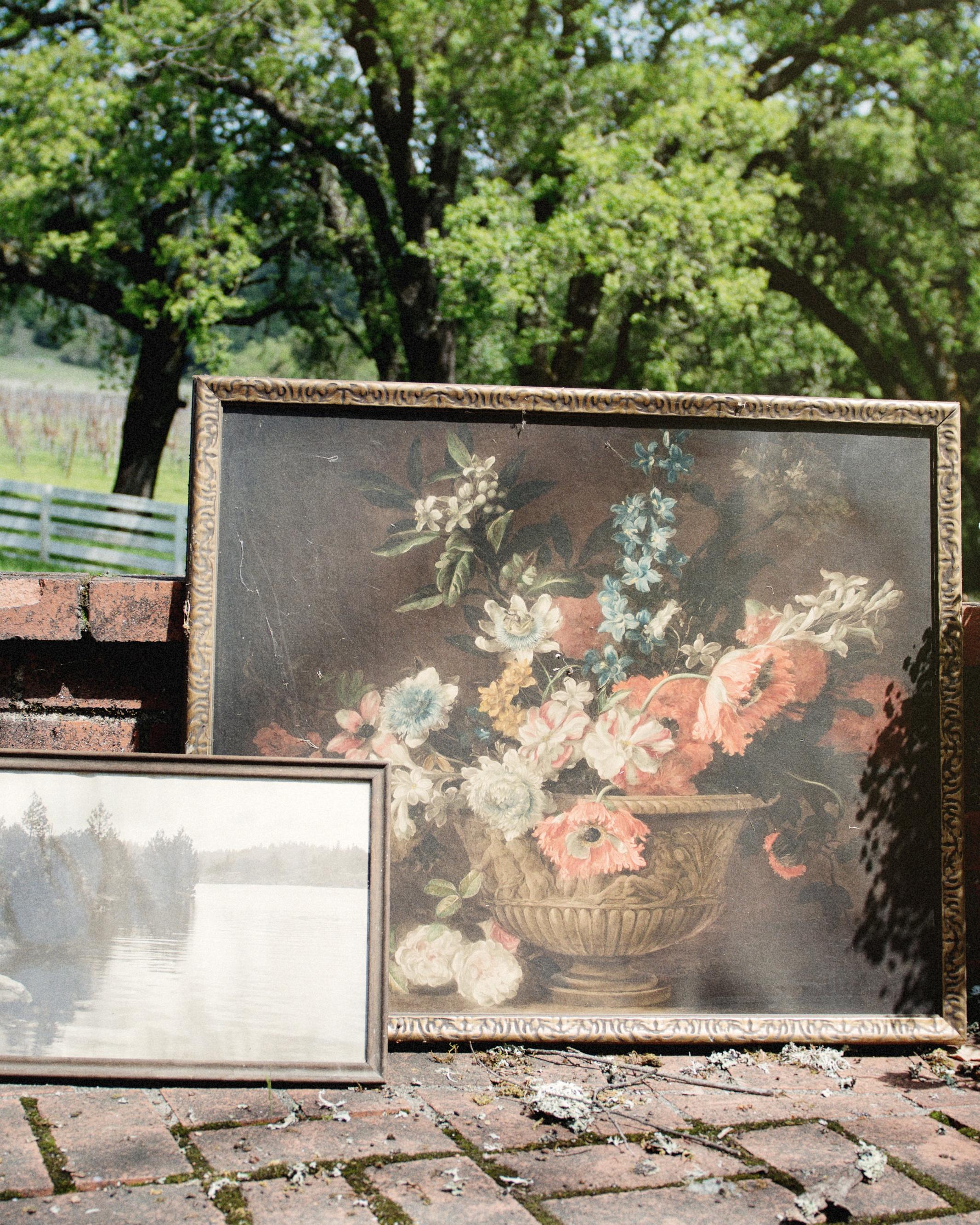 scavenger-hunt-bridal-shower-paintings-decor-0315.jpg