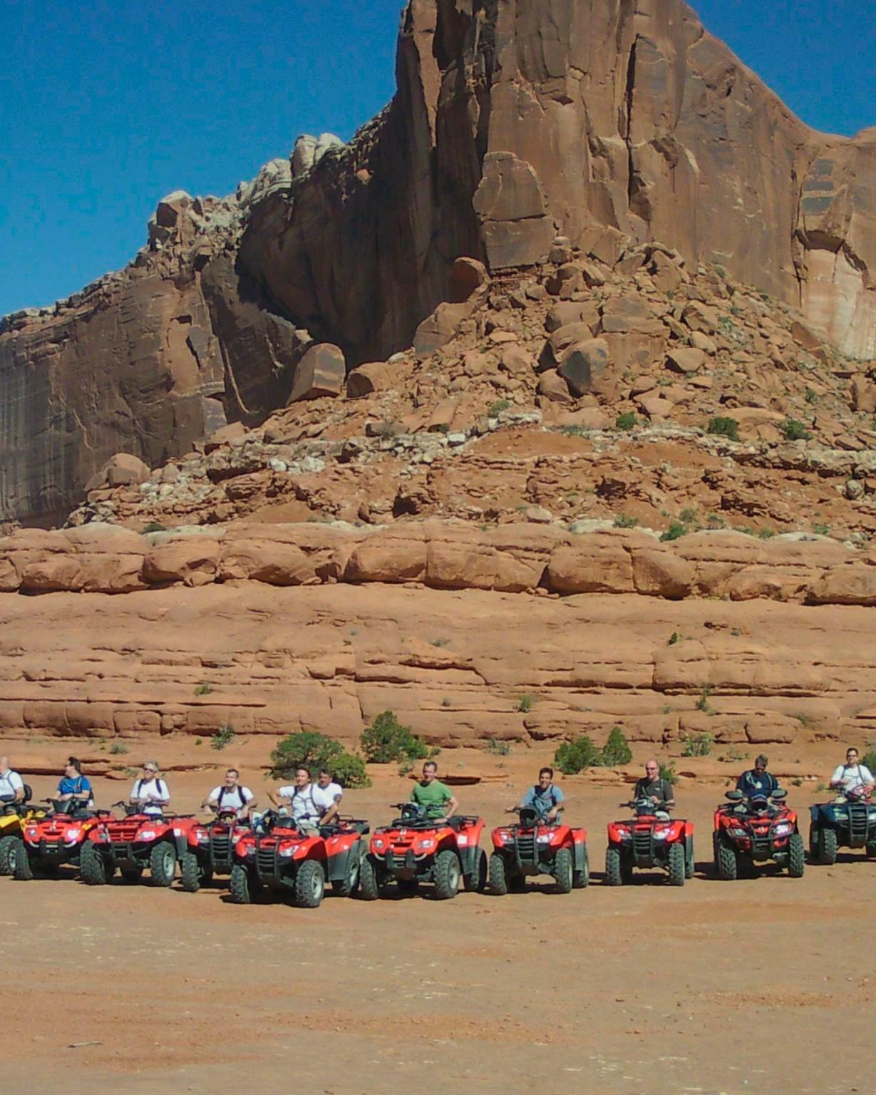 bachelor-party-trip-moab-mountain-four-wheeling-0315.jpg
