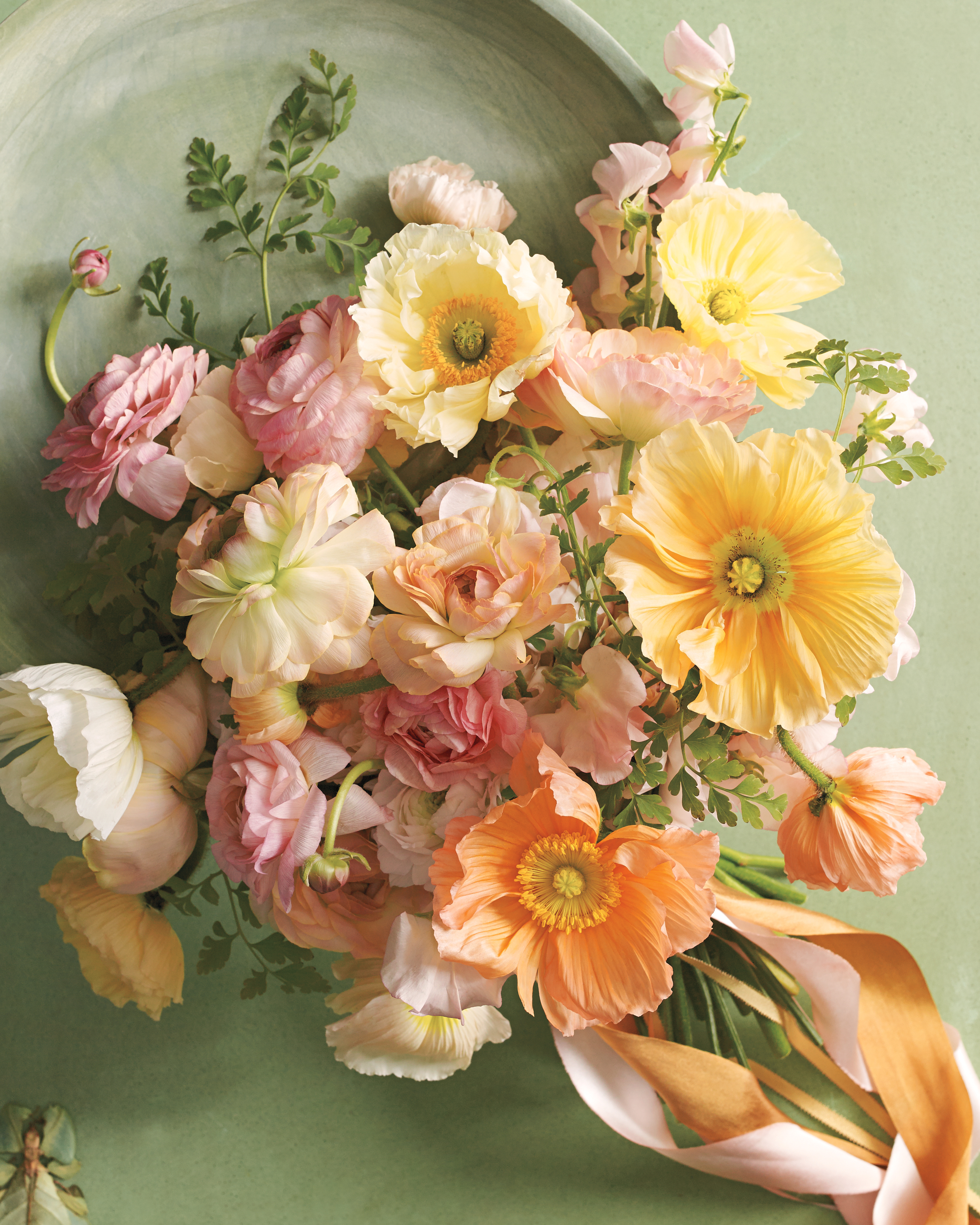 8 Bouquets Inspired By The Most Popular Wedding Flowers Martha Stewart Weddings