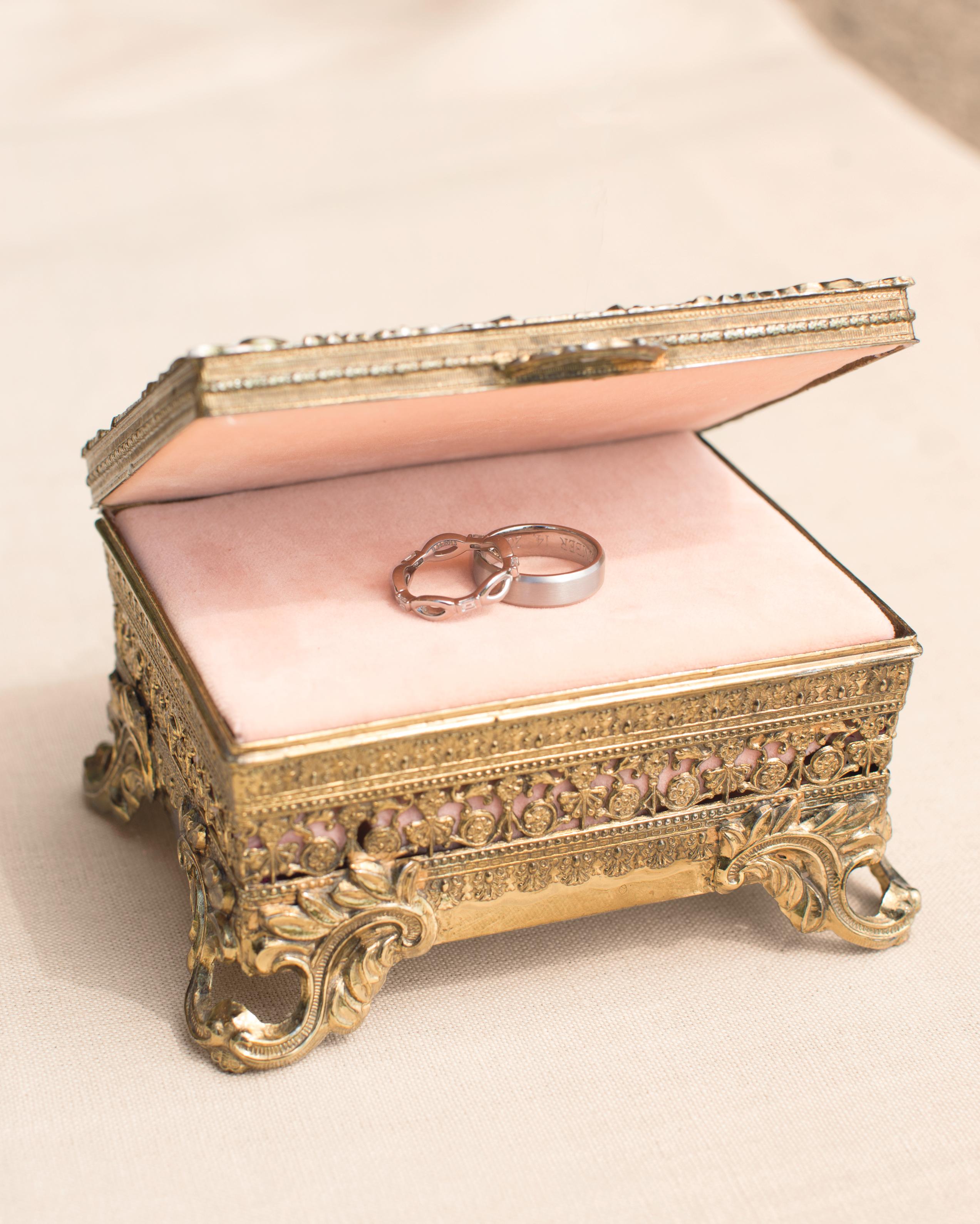 ring-box-0056-mwd110175.jpg