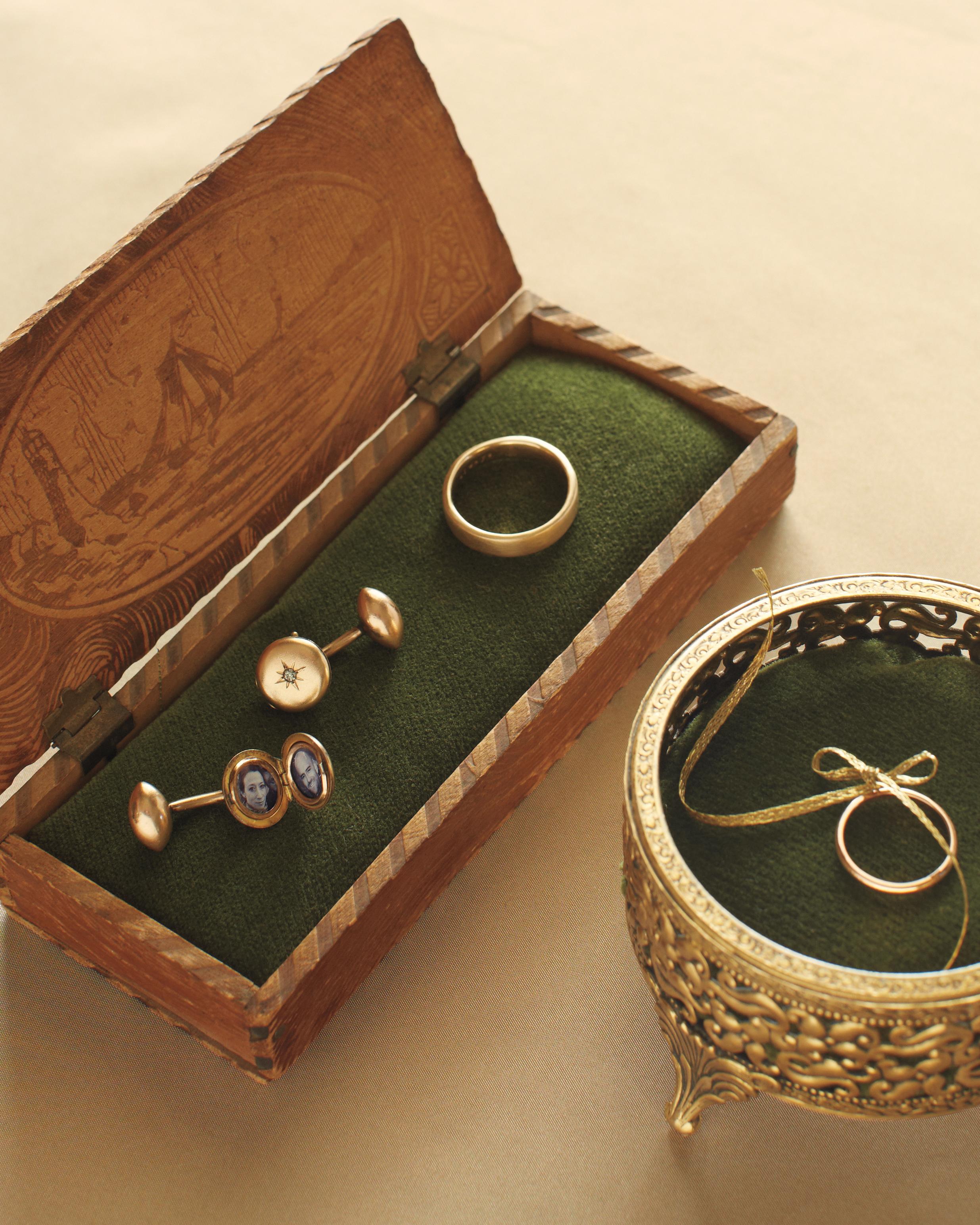 meaghan-conrad-rings-0191-mwd109593.jpg