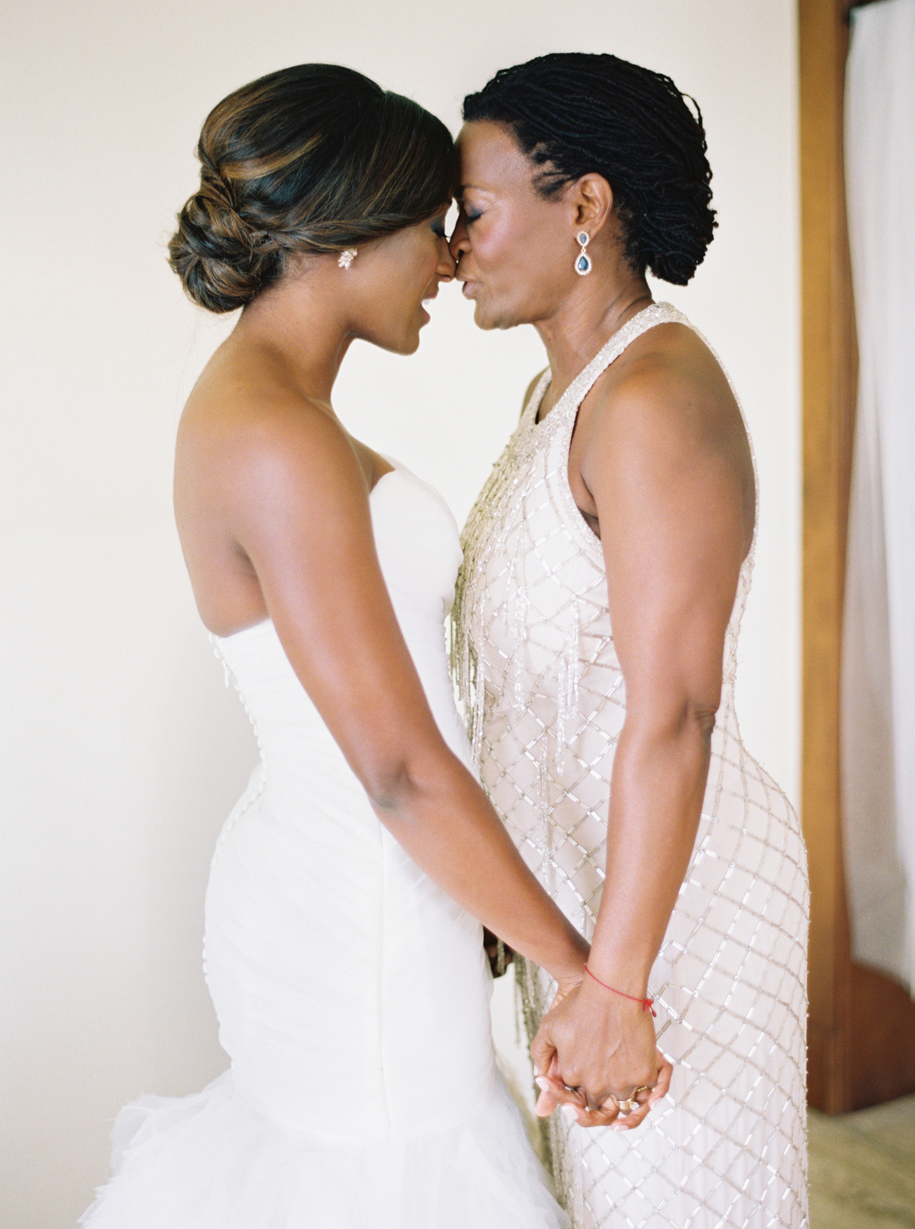 26 Mother Of The Bride Hairstyles That Ll Make Her Feel