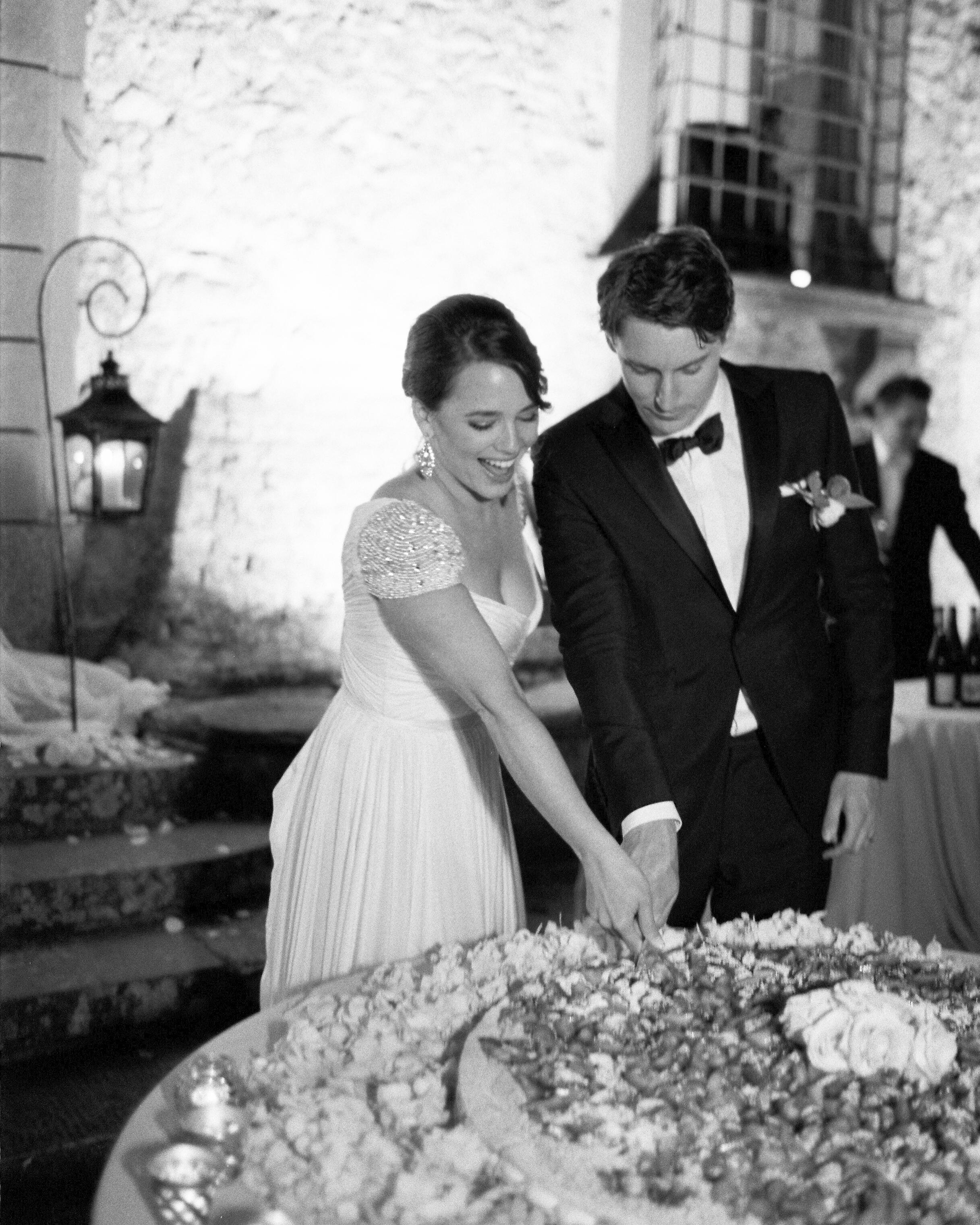 lauren-ollie-wedding-cake-612-s111895-0515.jpg