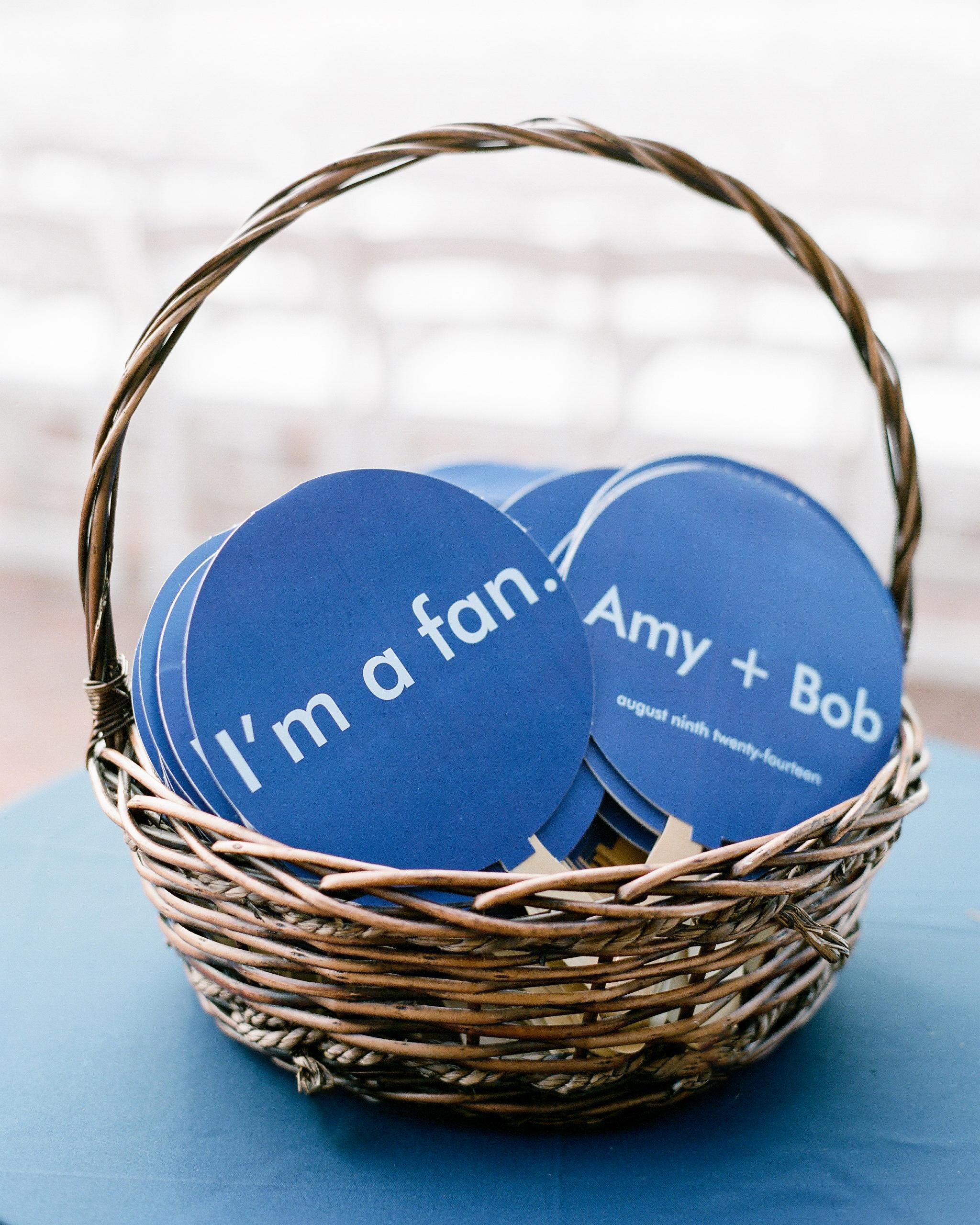 amy-bob-wedding-fans-0472-s111884-0715.jpg
