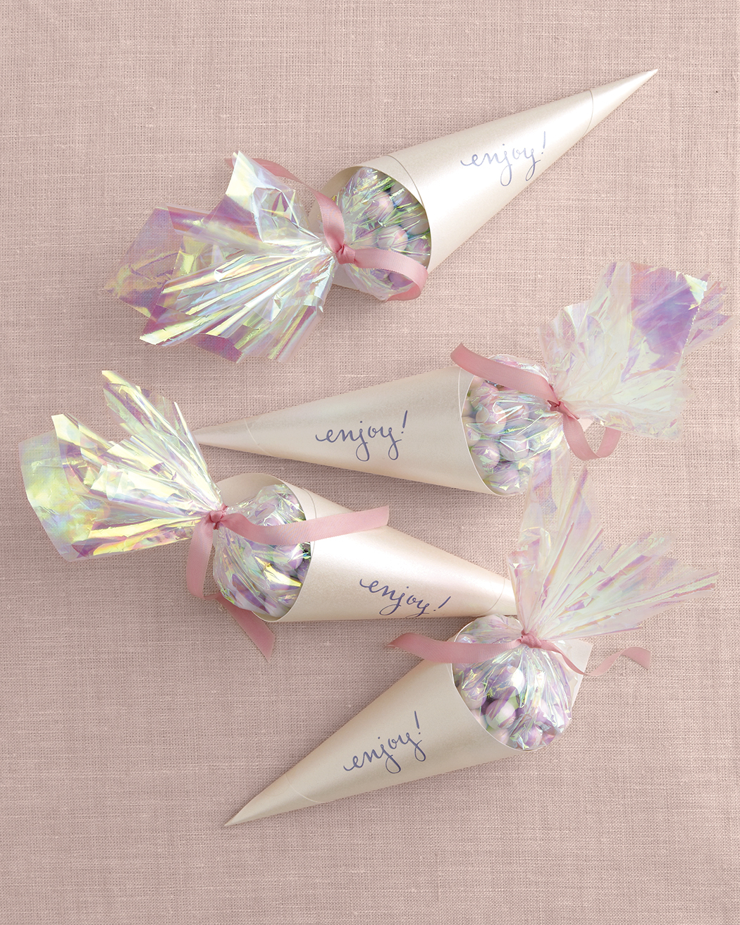 diy-bridal-shower-favors-opal-candy-cones-su10-0515.jpg
