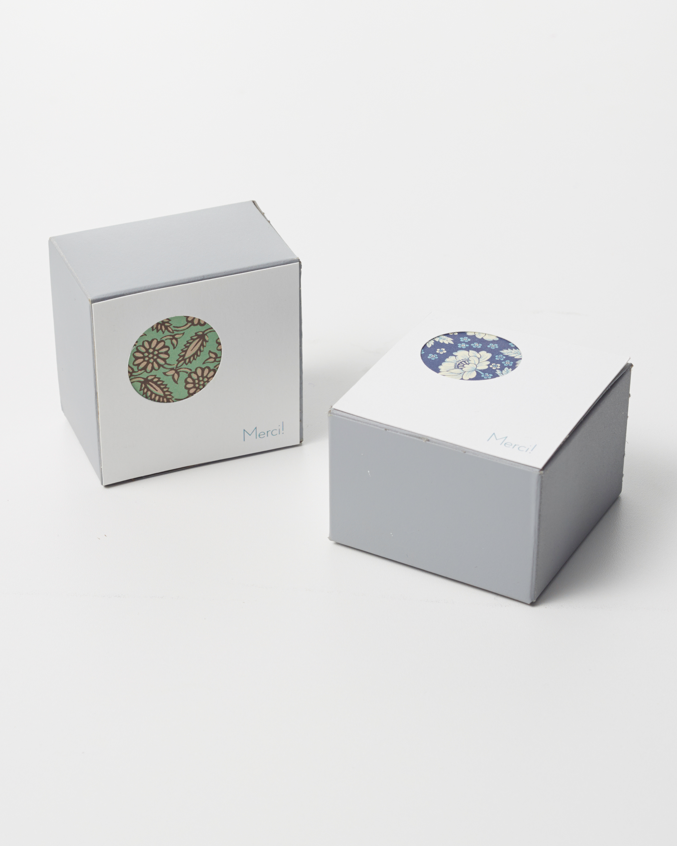 Peekaboo Circle Favor Box