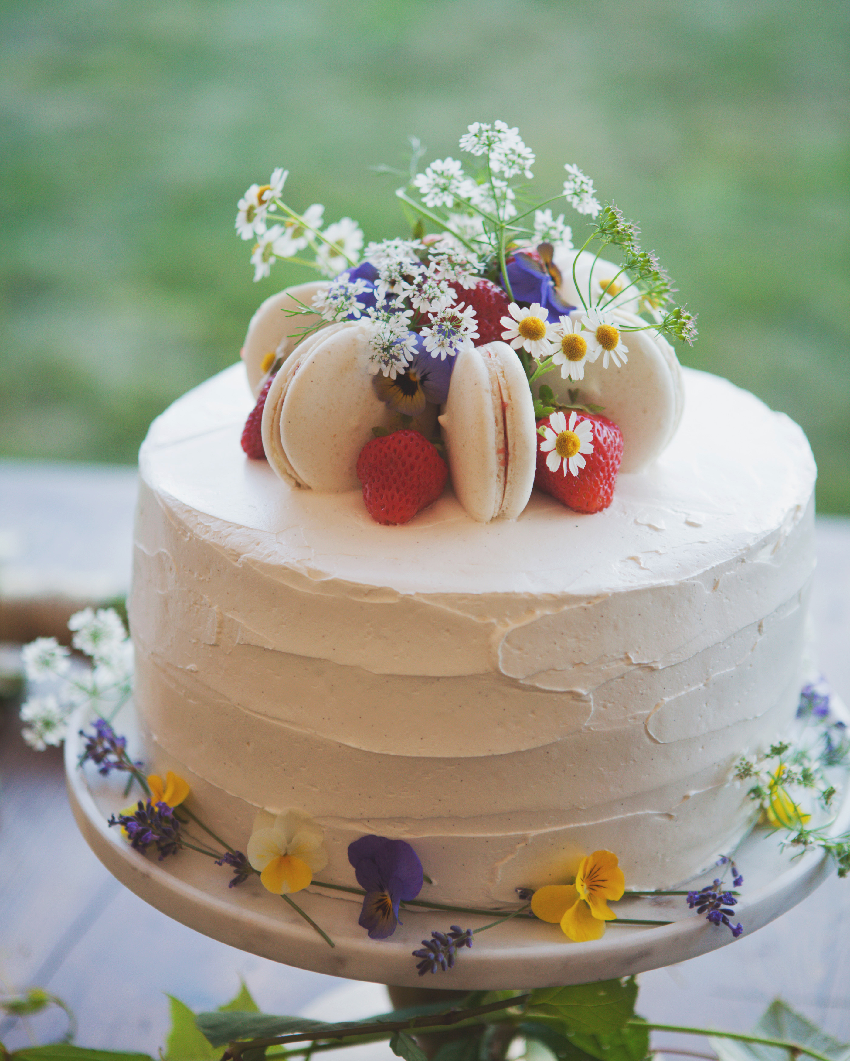 lilly-carter-wedding-cake-00549-s112037-0715.jpg