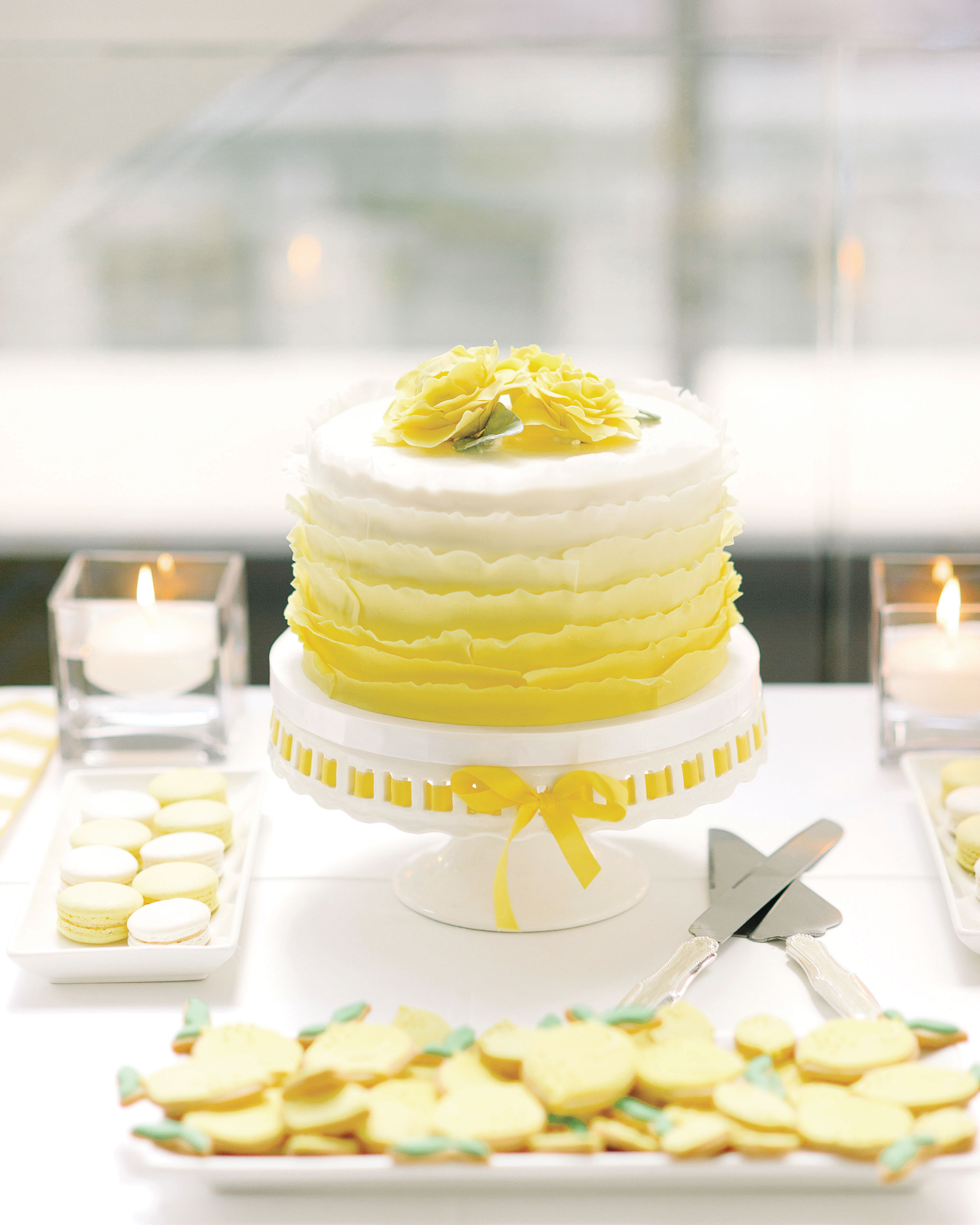 mamy-dan-wedding-canada-details-yellow-cake-floral-009-s112629.jpg