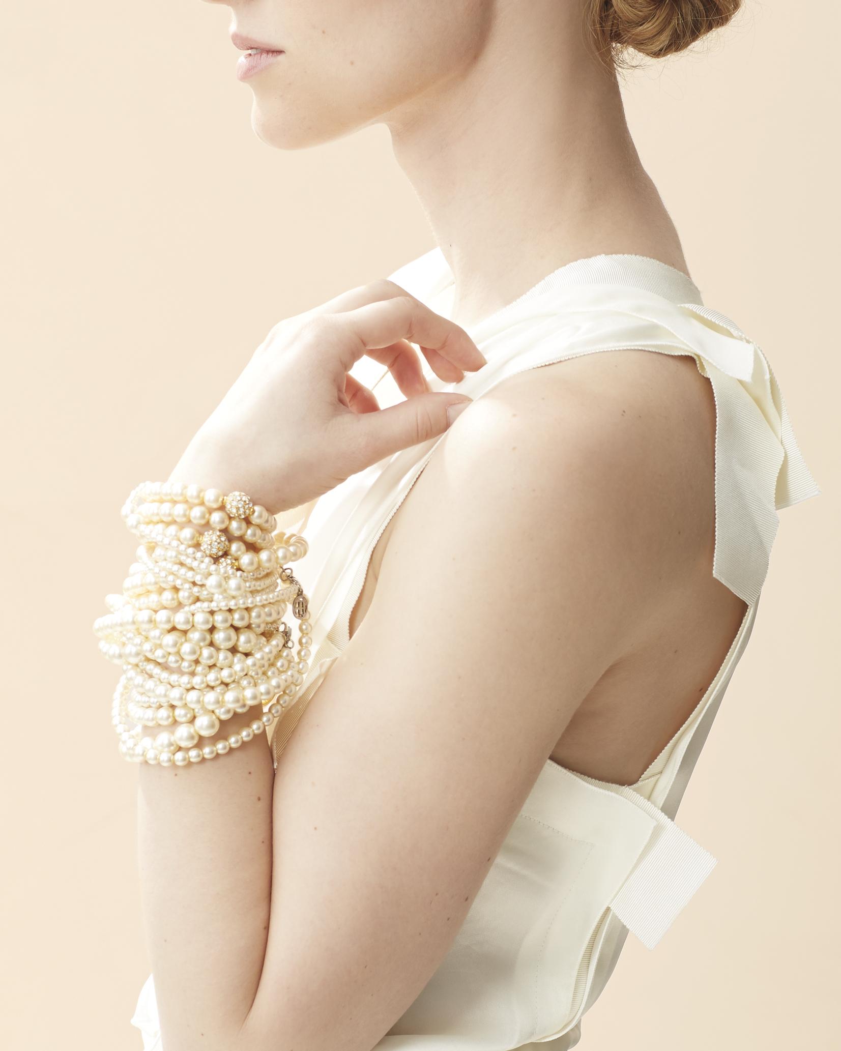 bracelets-232-d111930.jpg