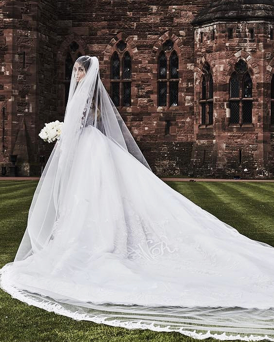 7c5370ad52d8d Celebrity Brides Who Wore Unforgettable Veils | Martha Stewart Weddings