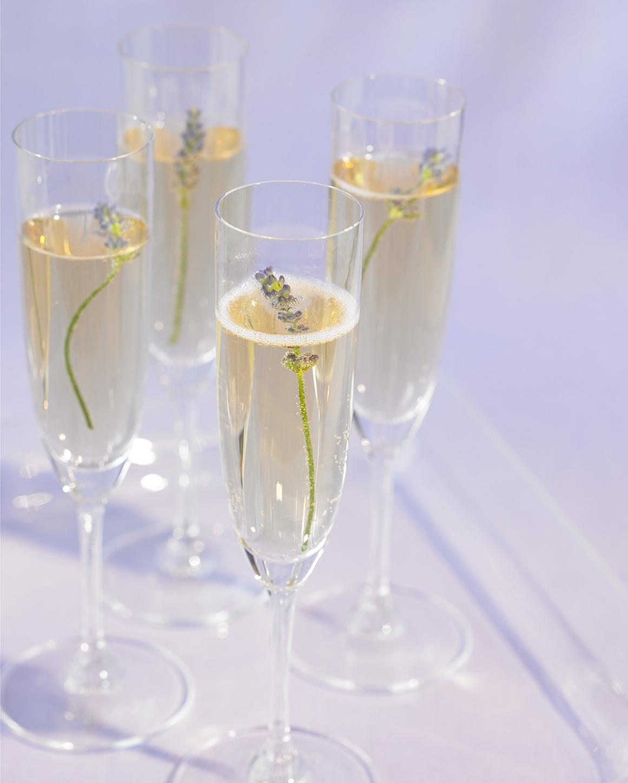sparkling-cocktails-lavender-champagne-sp07-0615.jpg