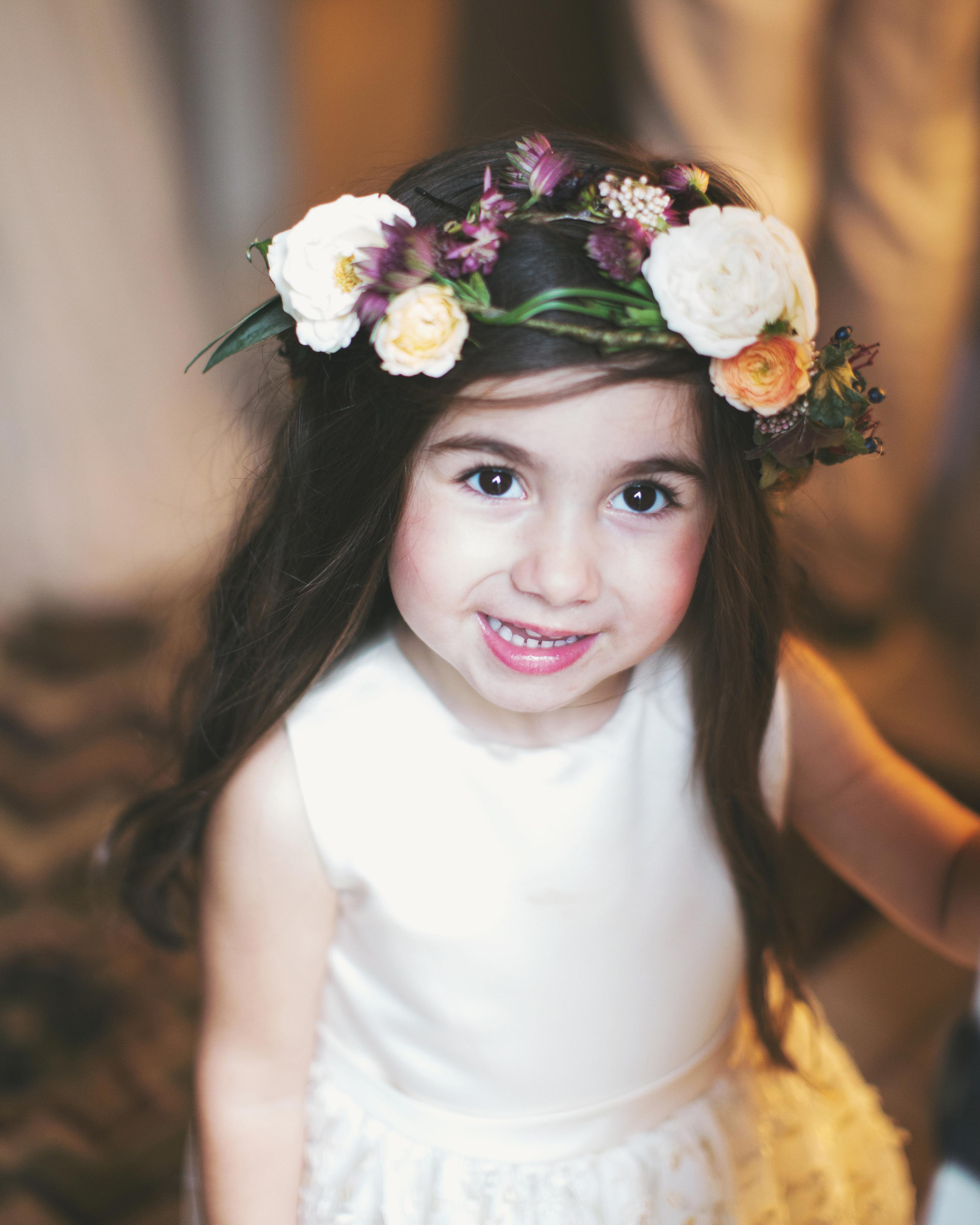 sara-matt-wedding-flowergirl-1152-s111990-0715.jpg
