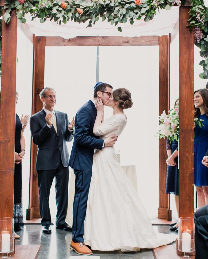 cristina-jason-wedding-kiss-2395-s112017-0715.jpg