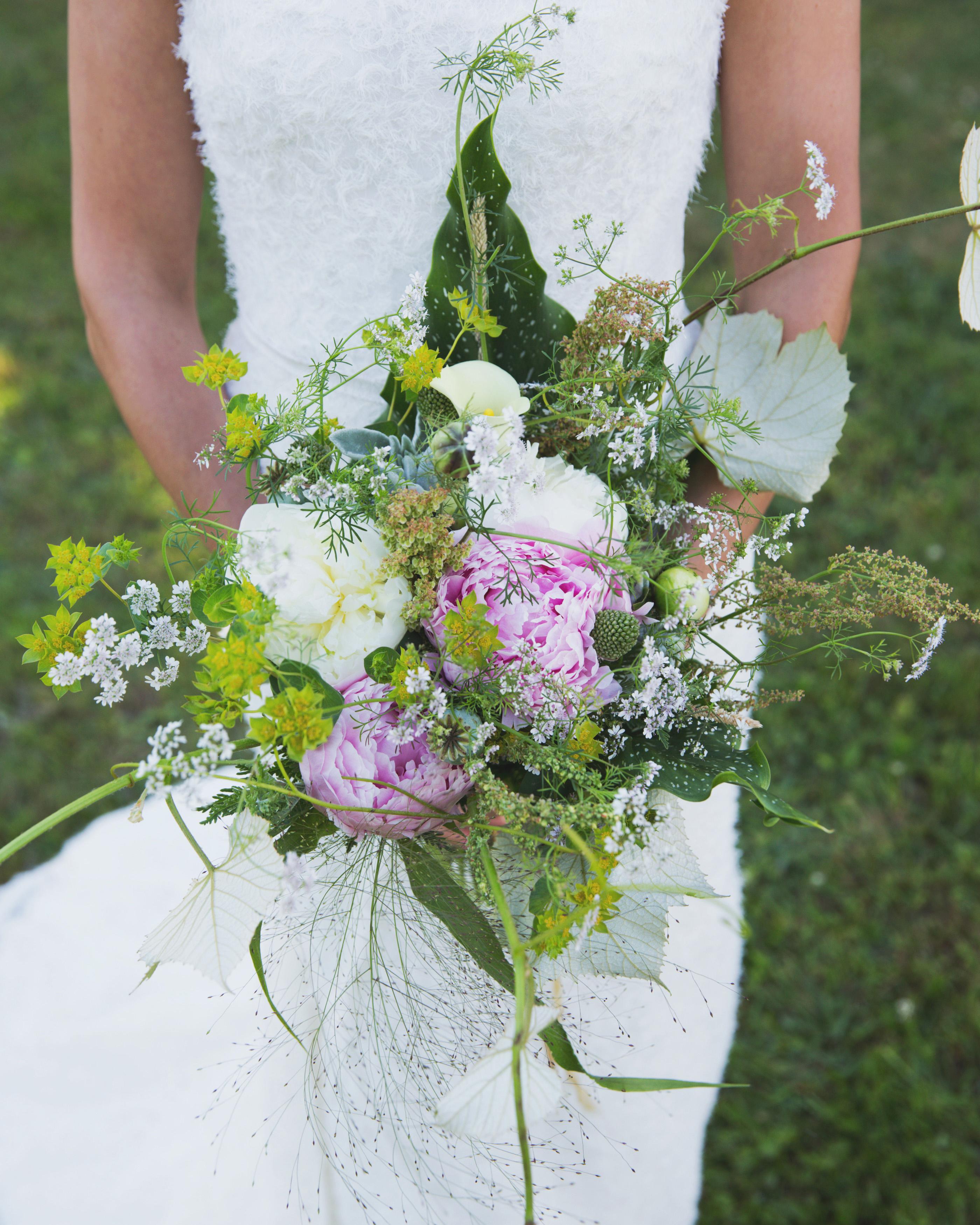 lilly-carter-wedding-bouquet-00220-s112037-0715..jpg