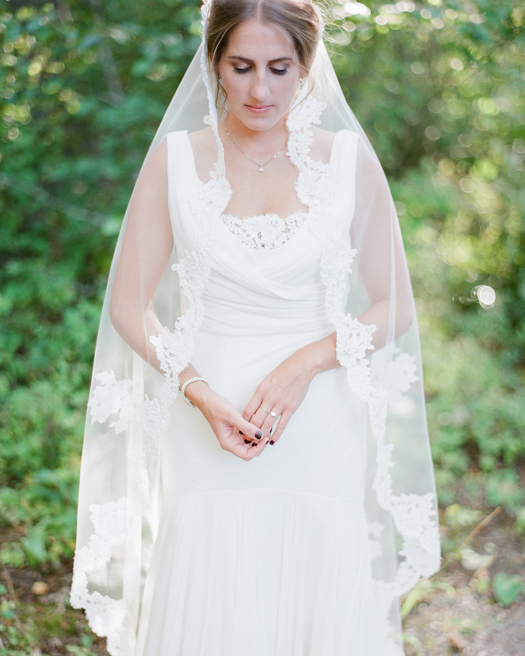 robin-kenny-wedding-veil-082-s112068-0715.jpg