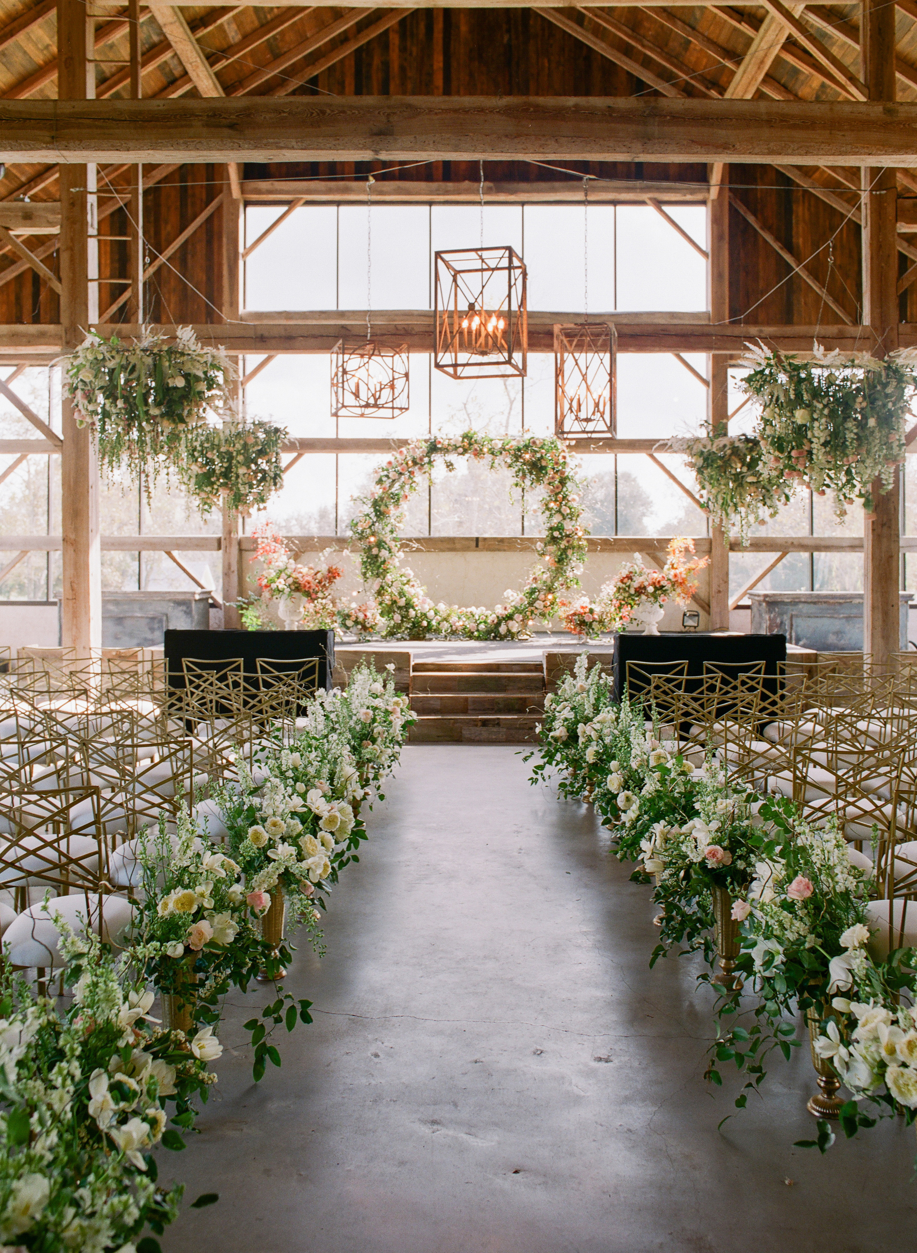 One Couple's Elegant, Flower-Filled Barn Wedding in Texas