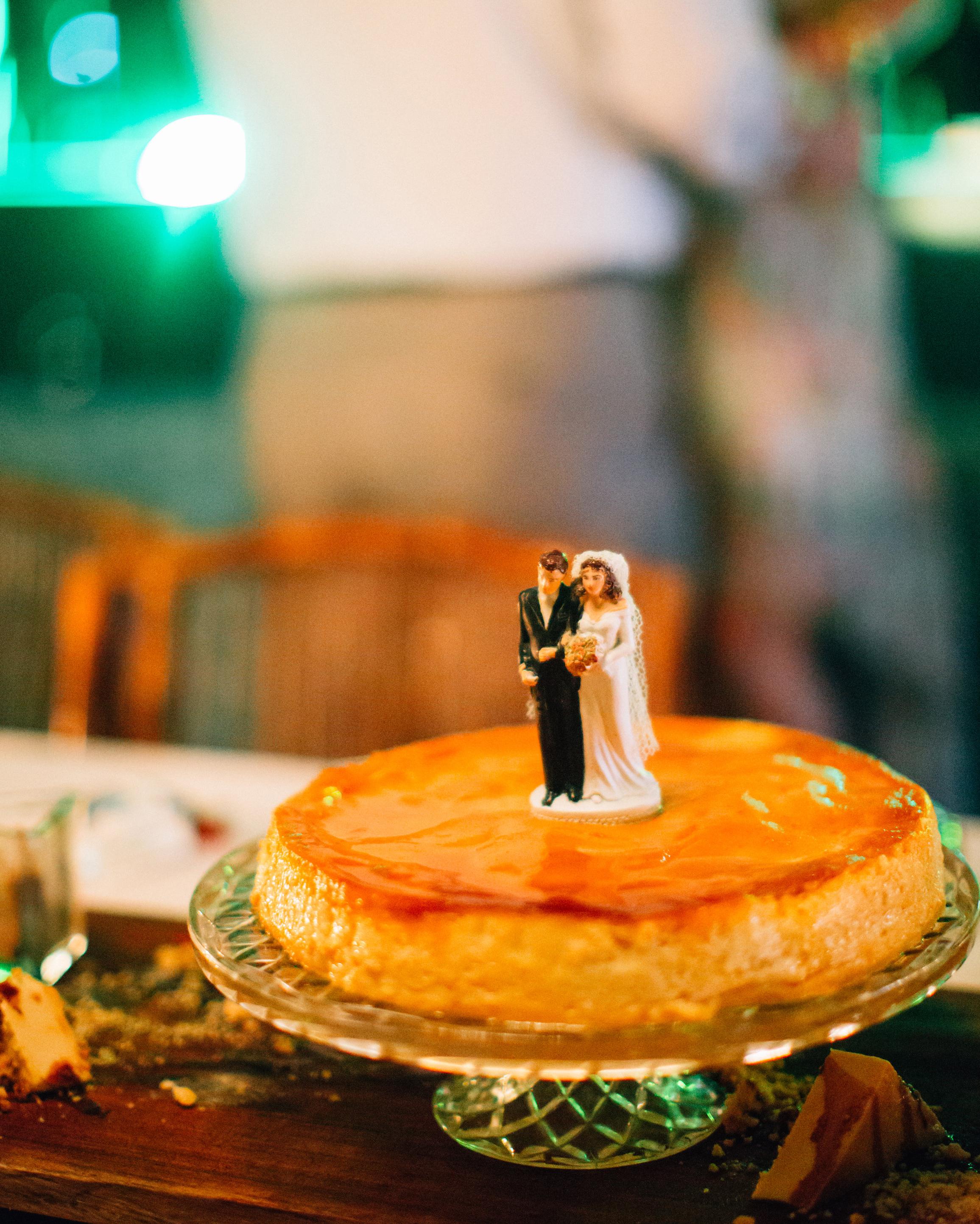 olivia-keith-wedding-cake-157-s112304-0815.jpg